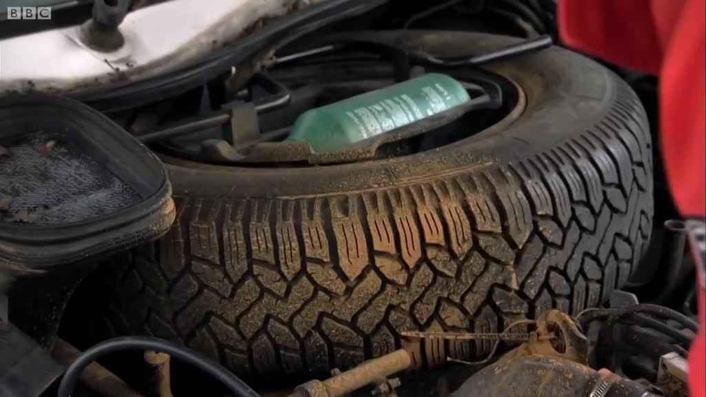 Motorhomes challenge, part 2/3 (Series 15, Episode 4) | Top Gear