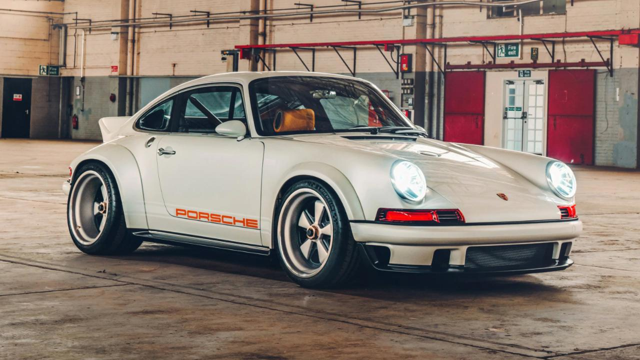 Video a closer look at the new 911 reimagined by Singer