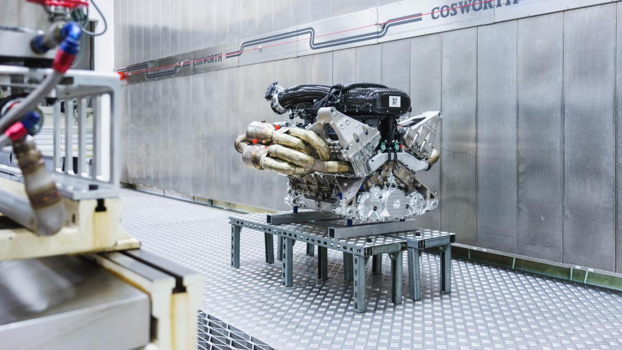 video: listen to the aston martin valkyrie's 1,000bhp v12   top gear