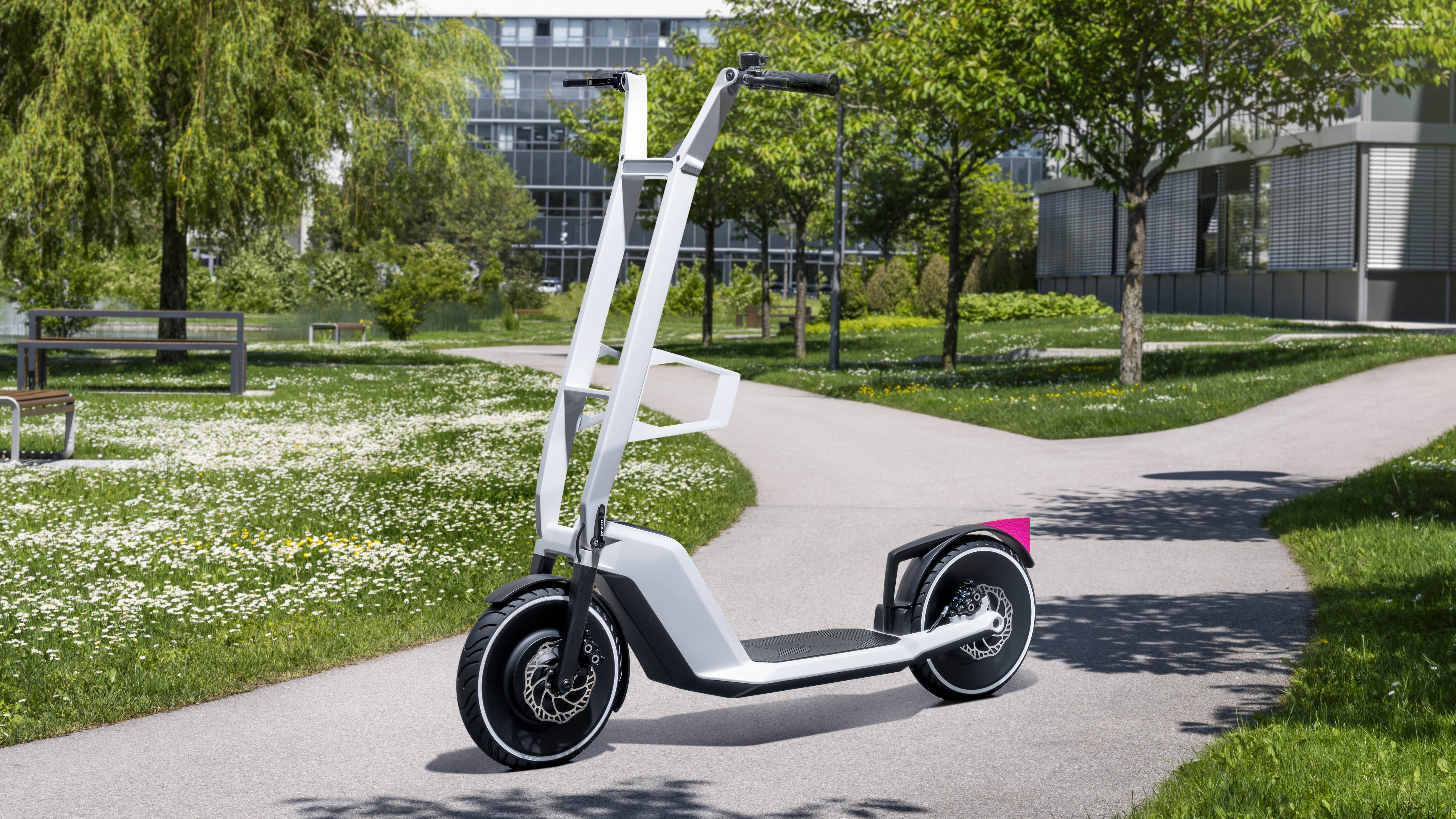 BMW might just get in on the e-scooter game | Top Gear