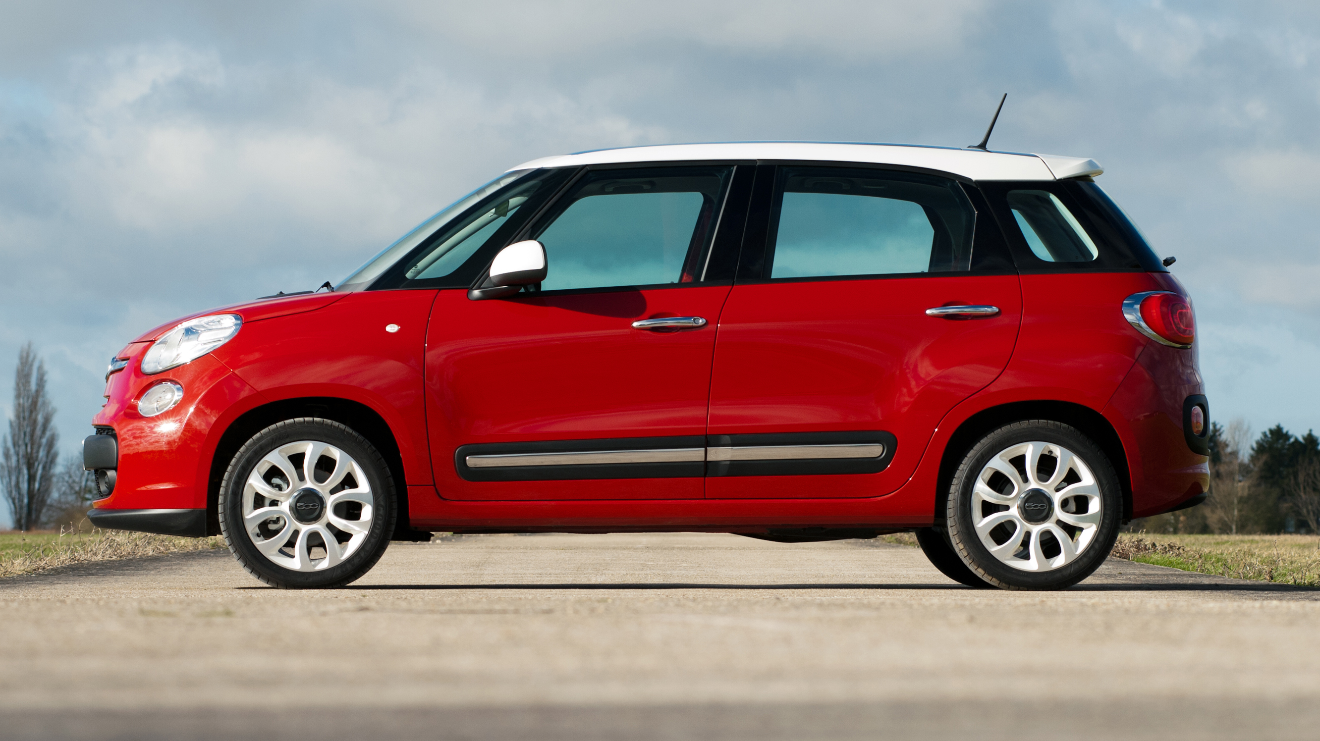 fiat 500l review top gear. Black Bedroom Furniture Sets. Home Design Ideas