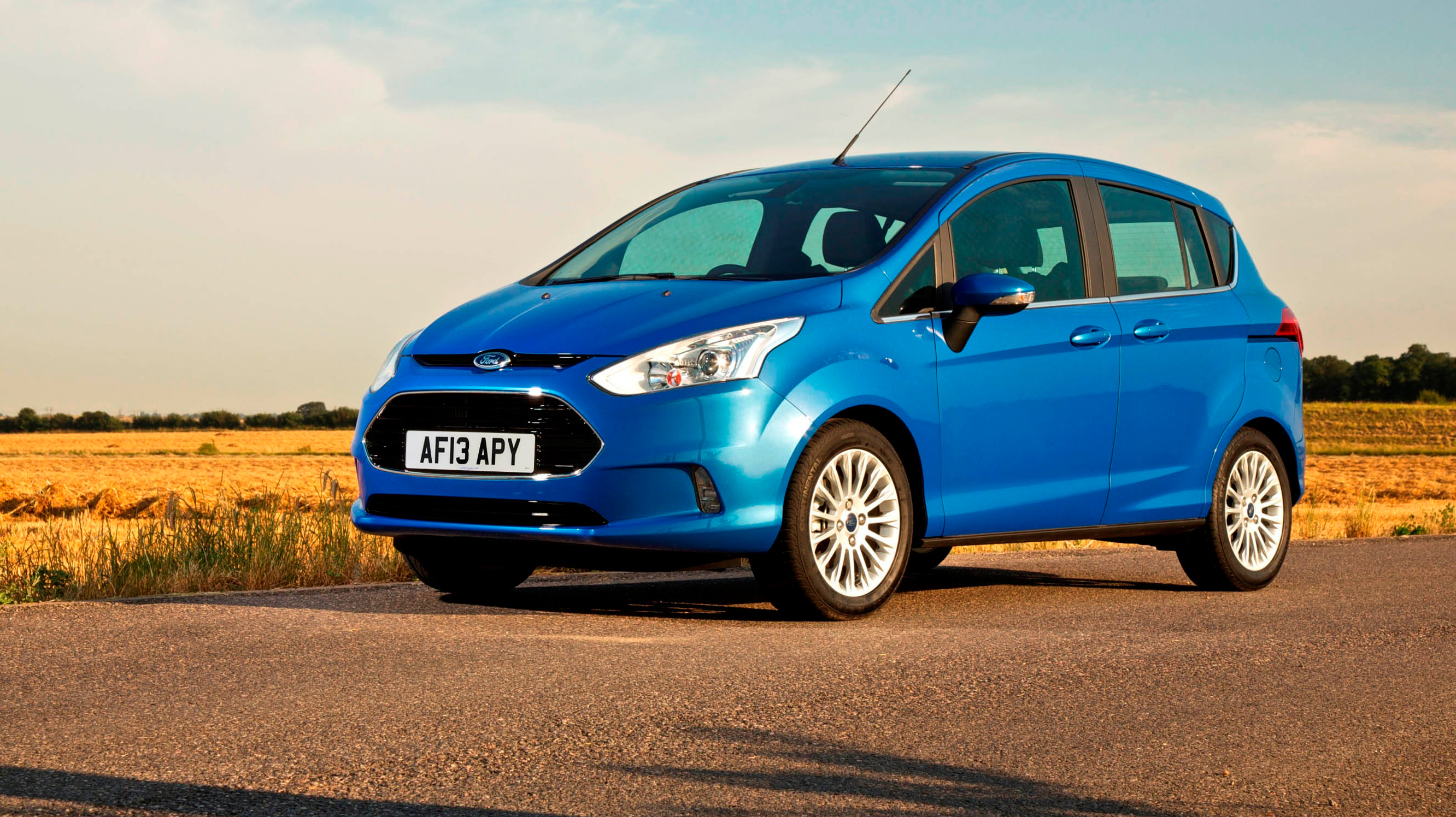Ford B-Max blue front quarter