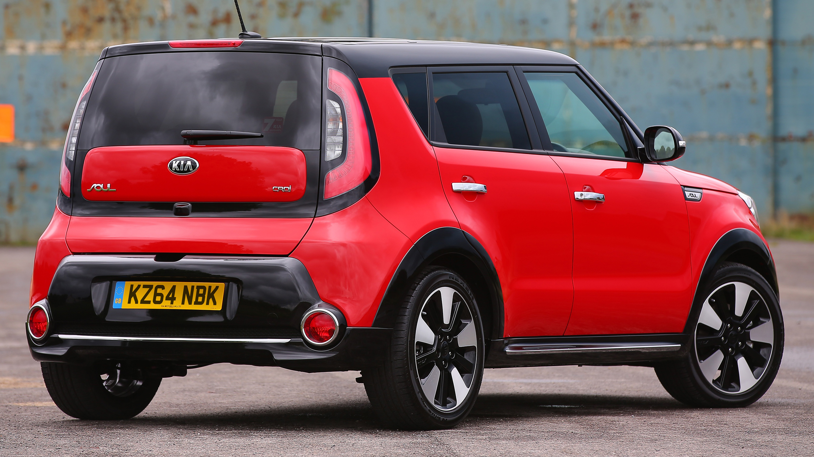 the reviews of kia red it production first s a special limited for edition soul zone to