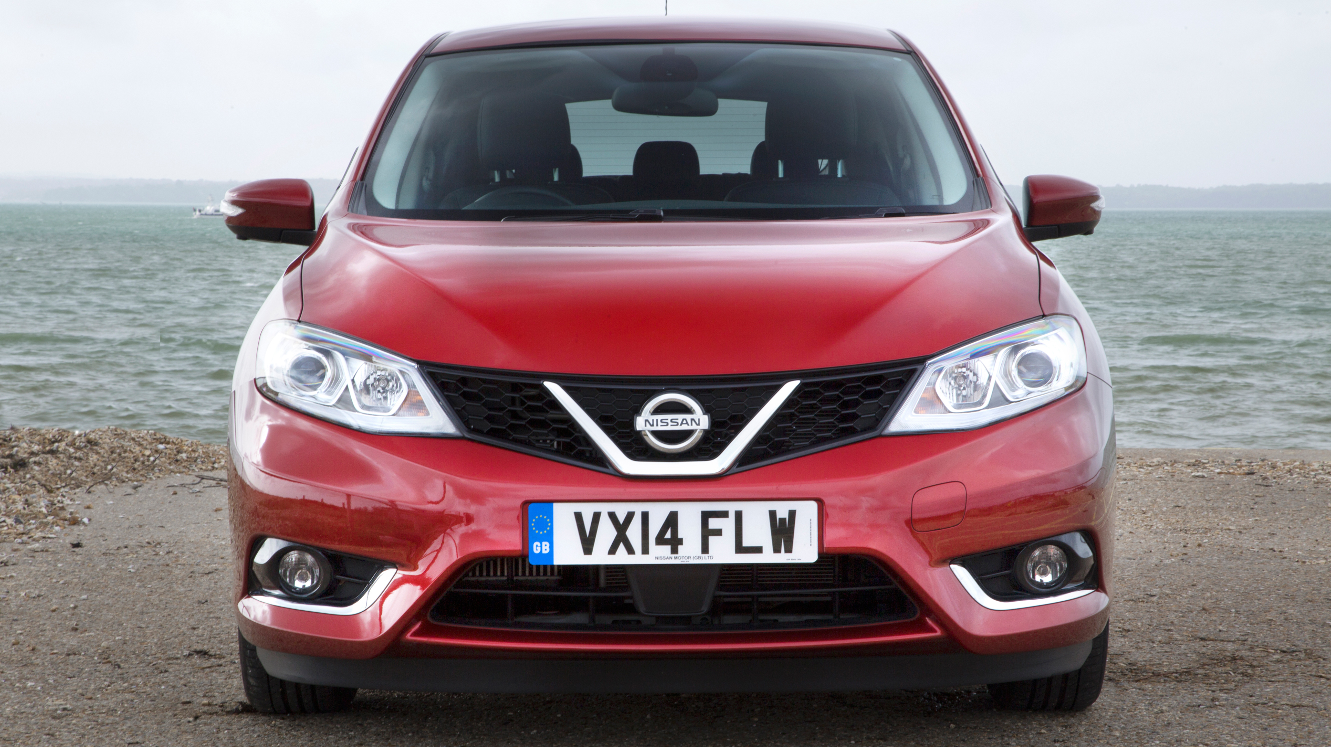 Nissan Pulsar red front