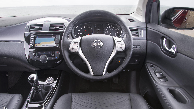 Nissan Pulsar interior drivers seat