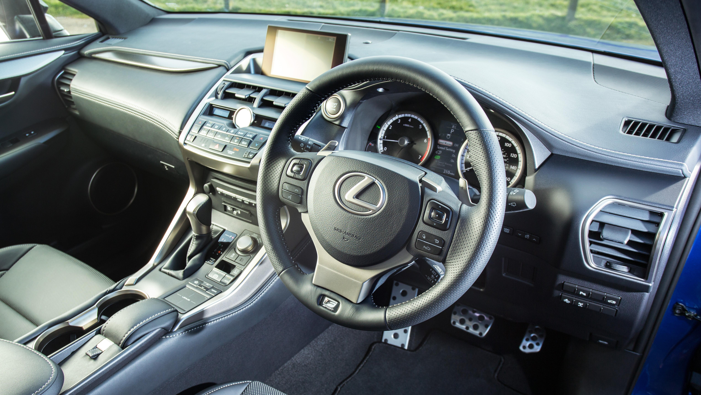 Lexus NX 200t Dynamic interior