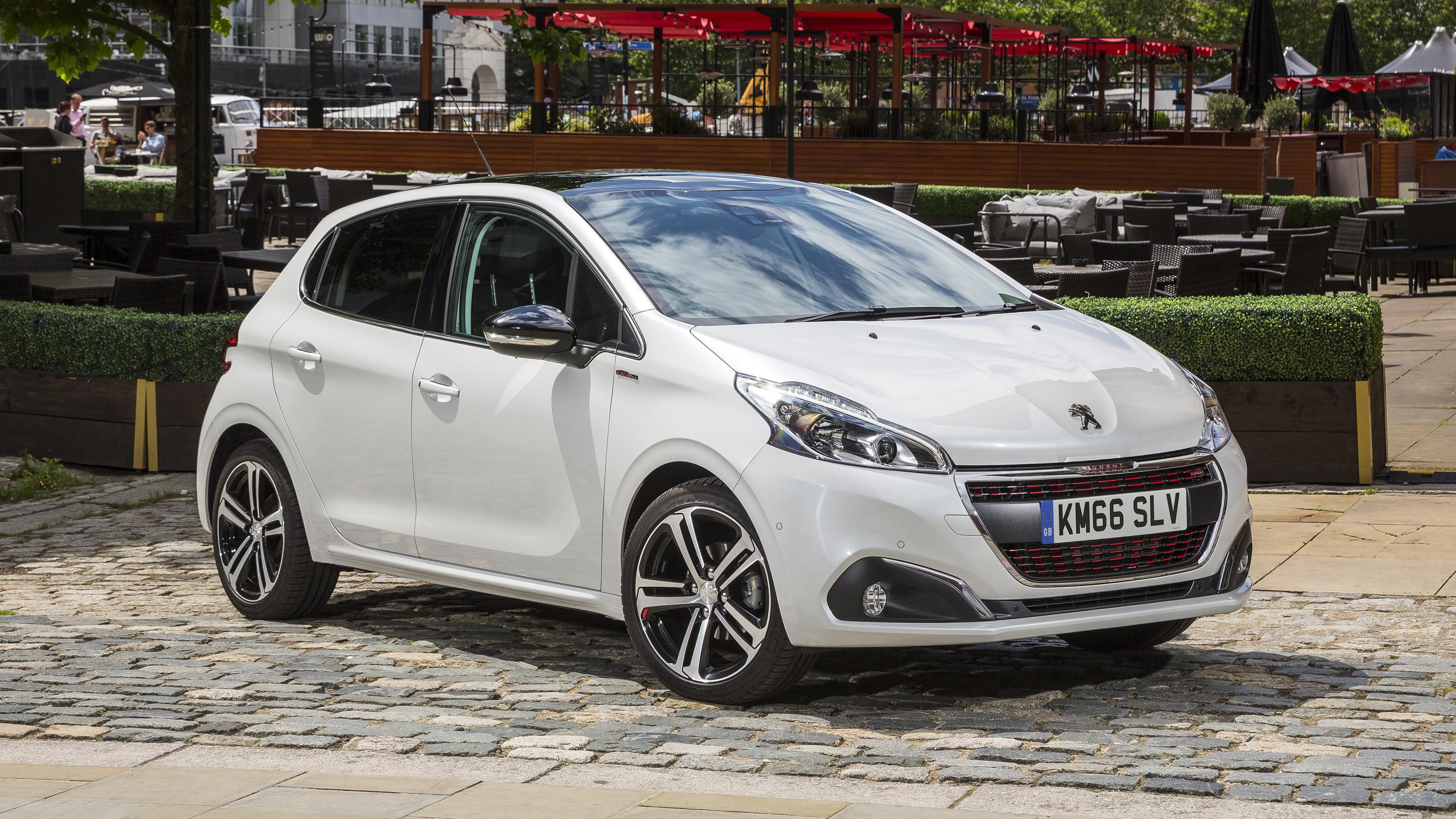 2018 Peugeot 208 Review