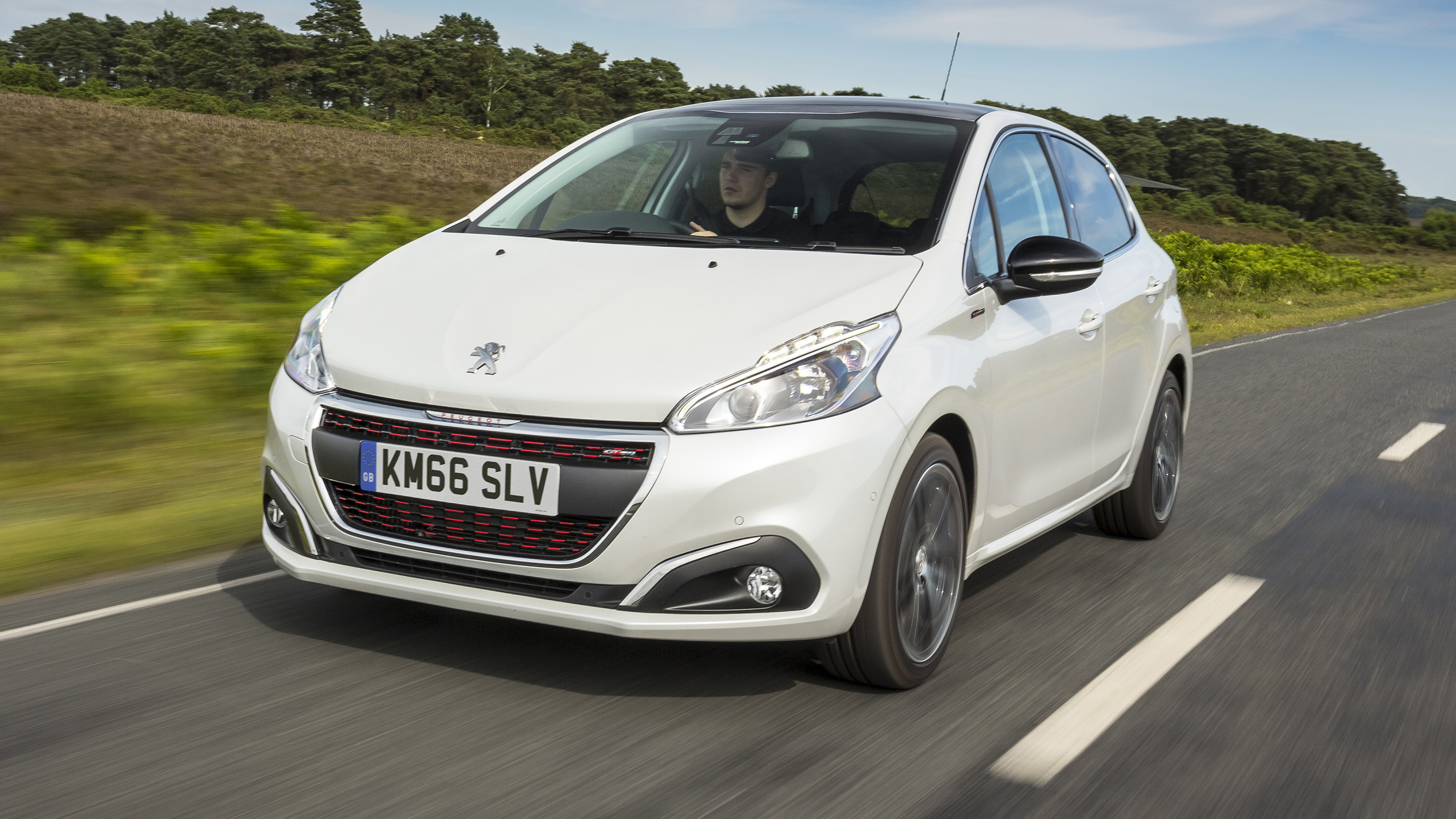 2018 Peugeot 208 Review