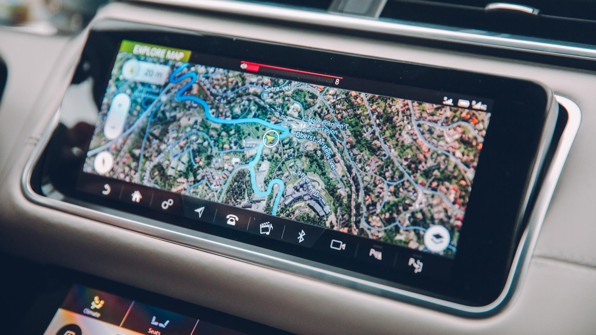 Land Rover Range Rover Velar infotainment