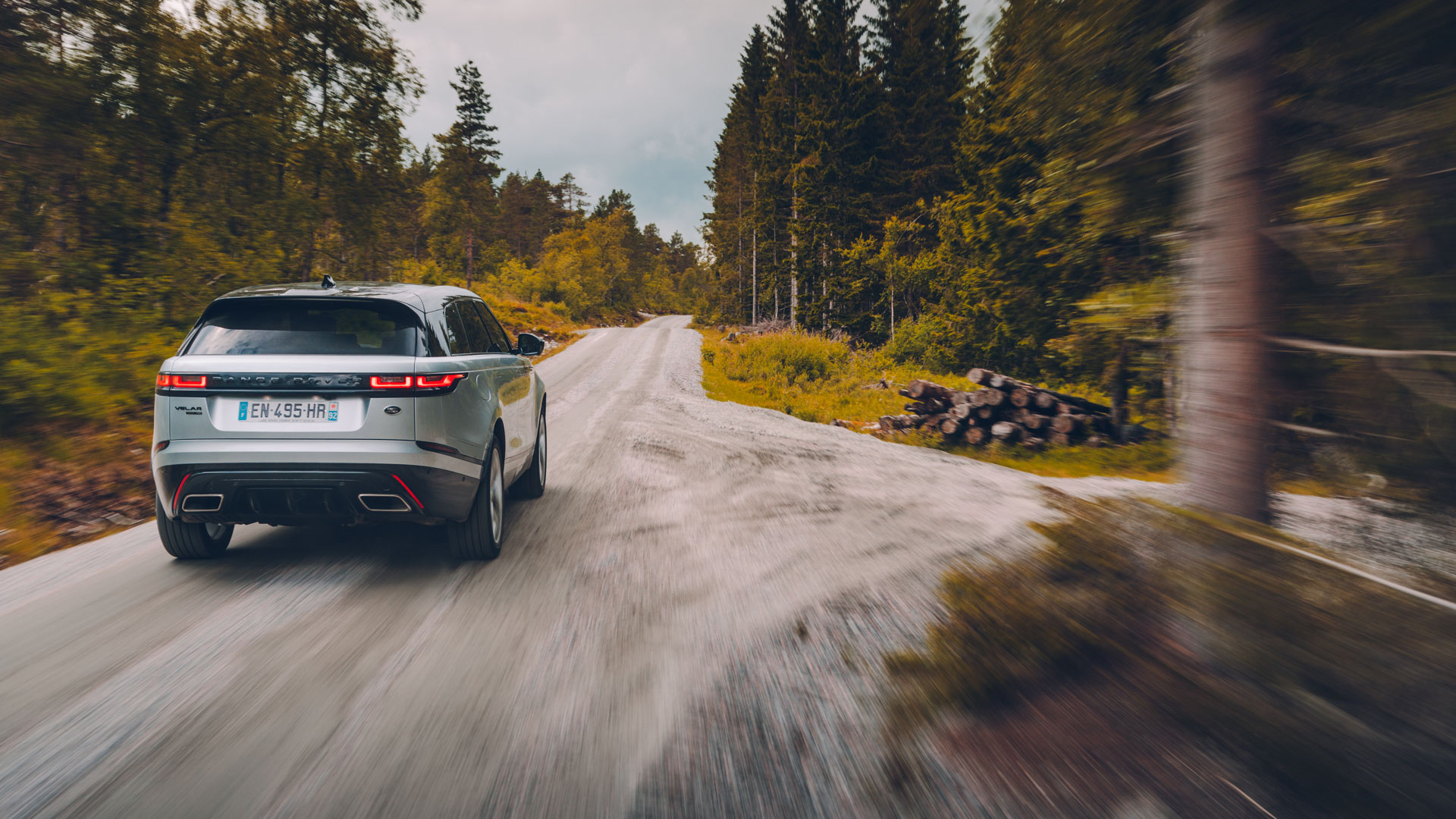 Land Rover Range Rover Velar rear