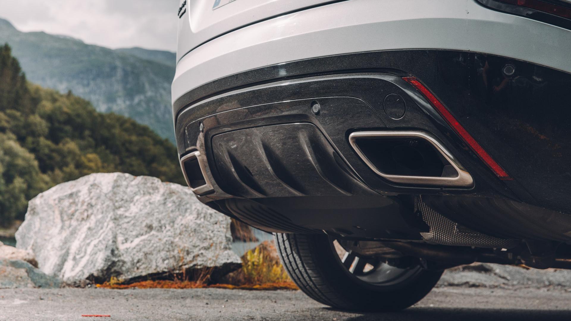 Land Rover Range Rover Velar exhausts