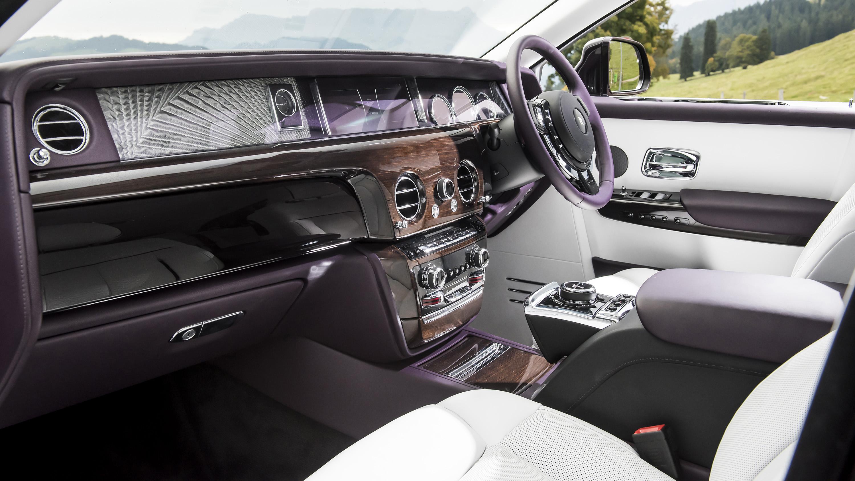 Rolls-Royce Phantom interior front