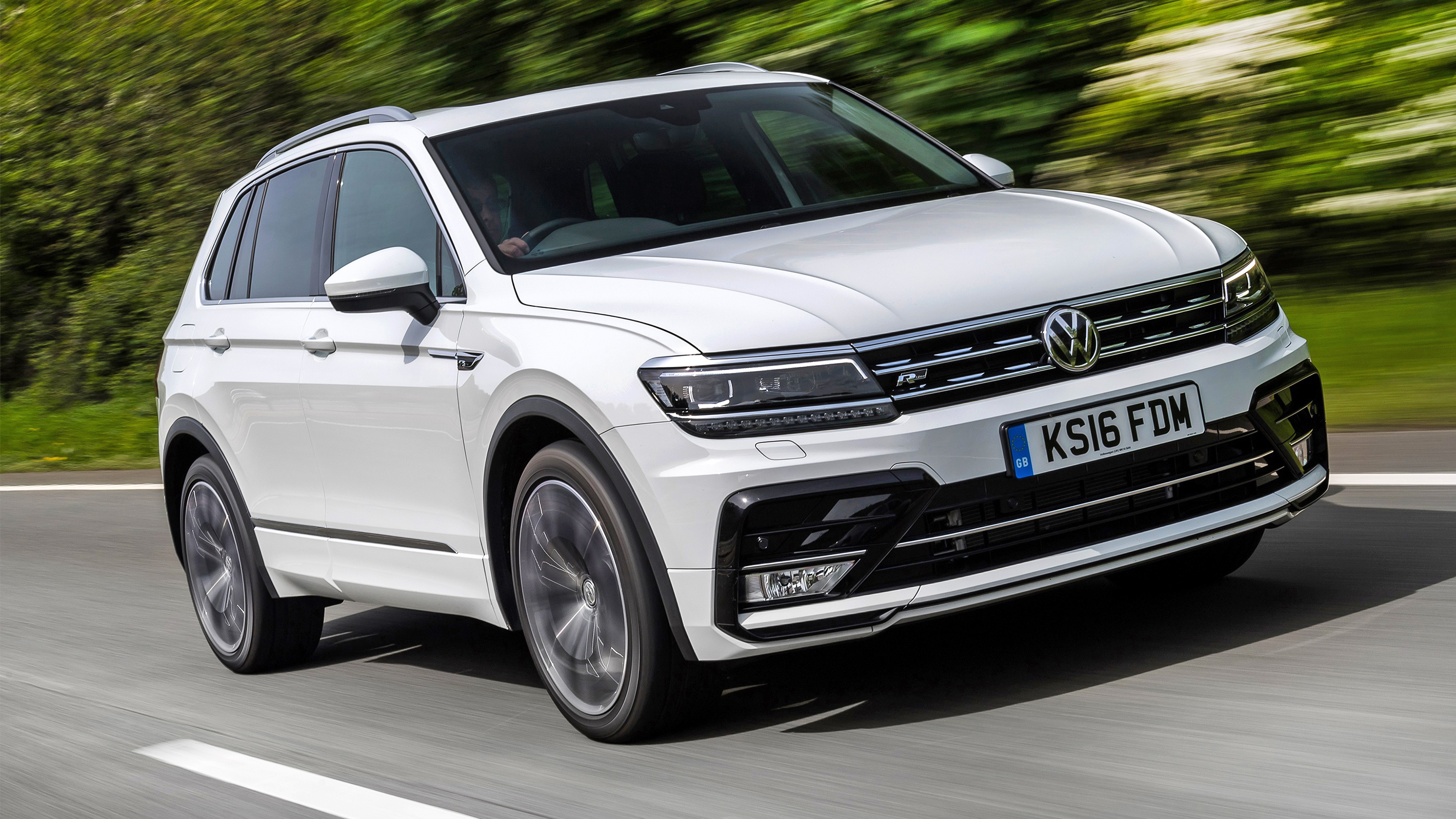 2018 Volkswagen Tiguan Review | Top Gear