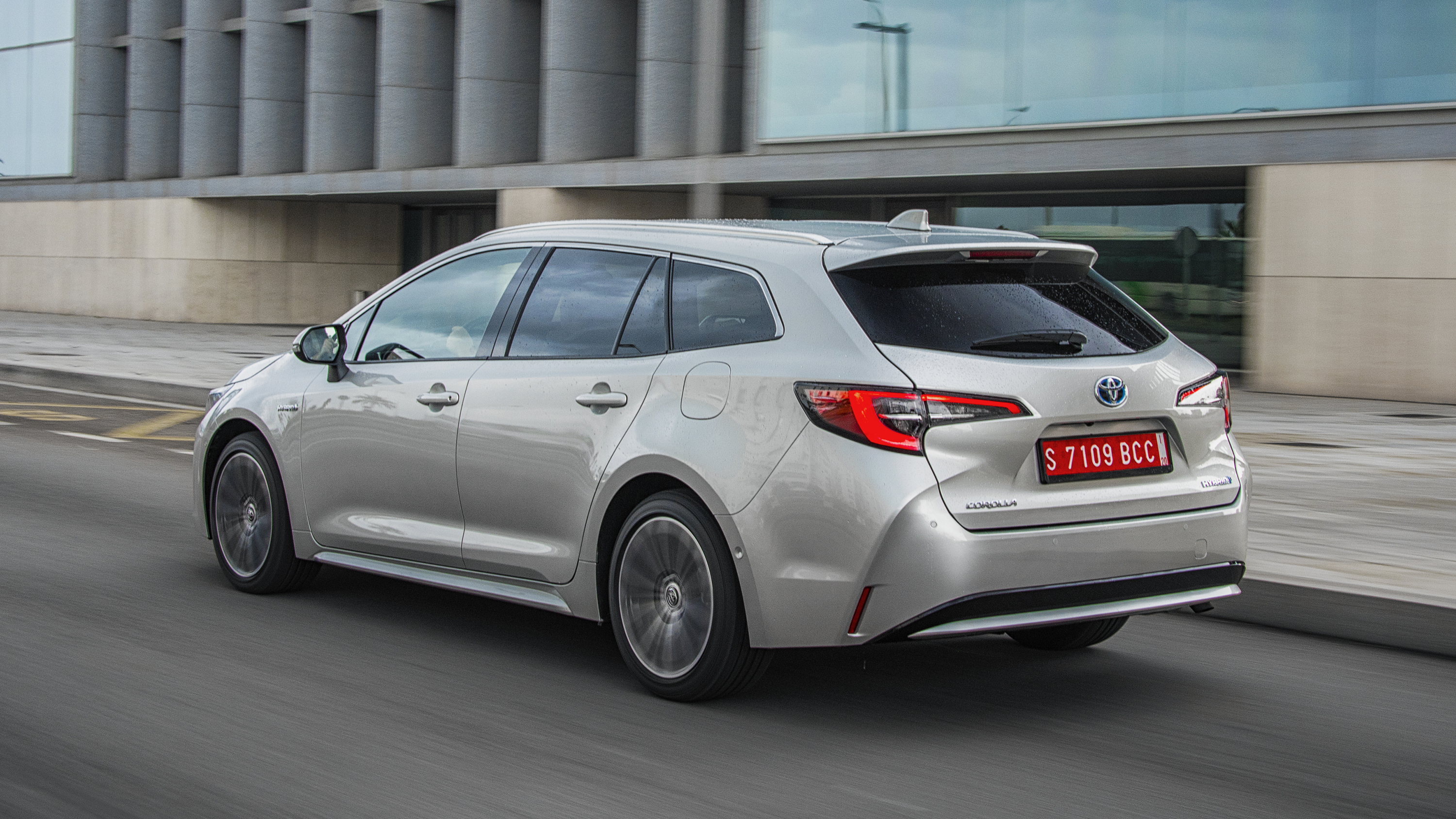 Toyota Corolla Touring Sports Review 2021 Top Gear