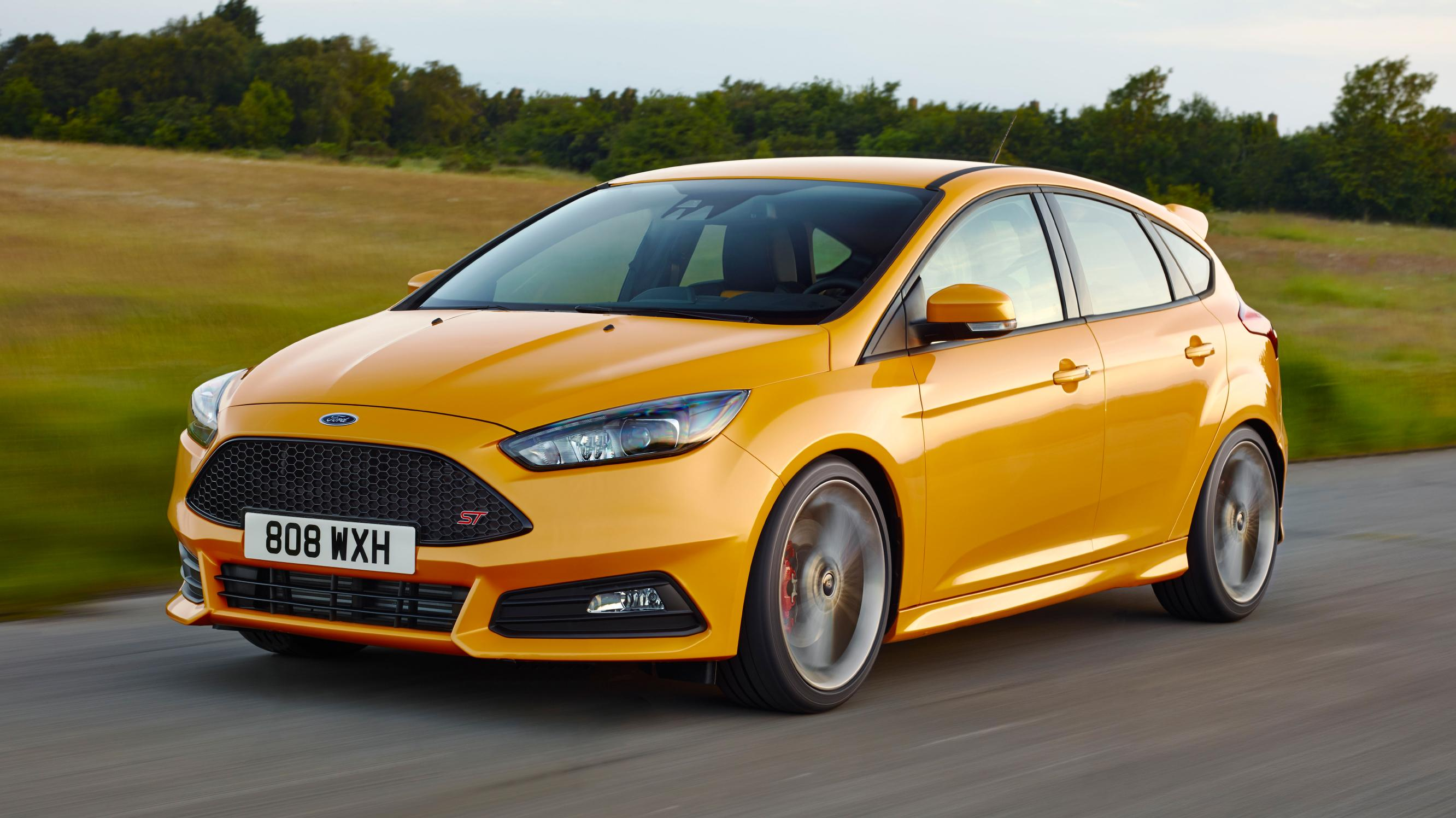 Ford Focus ST yellow front