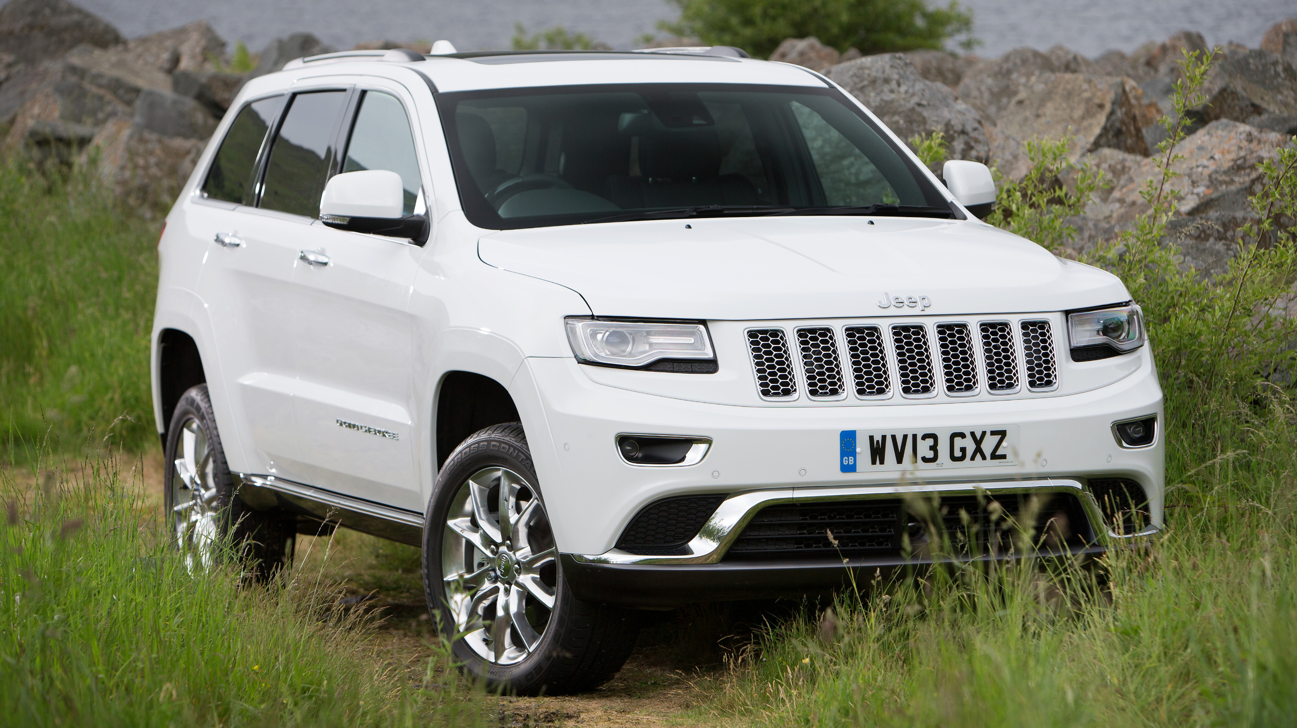 Jeep Grand Cherokee front quarter