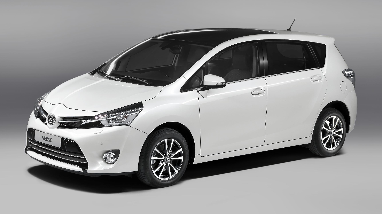 Toyota Verso front quarter