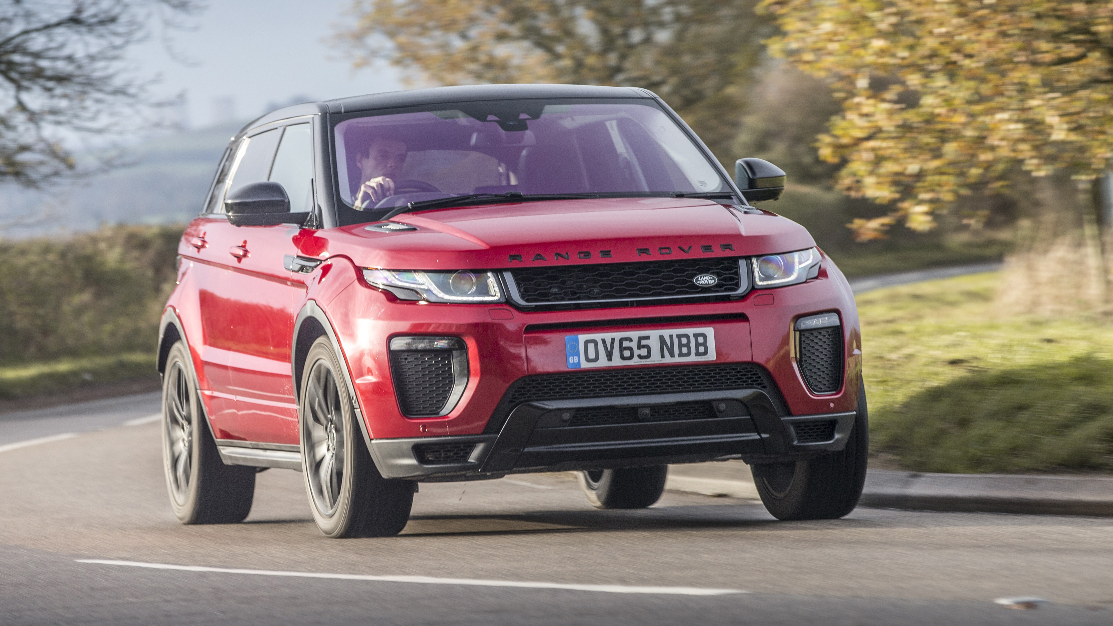 Range Rover Evoque red front