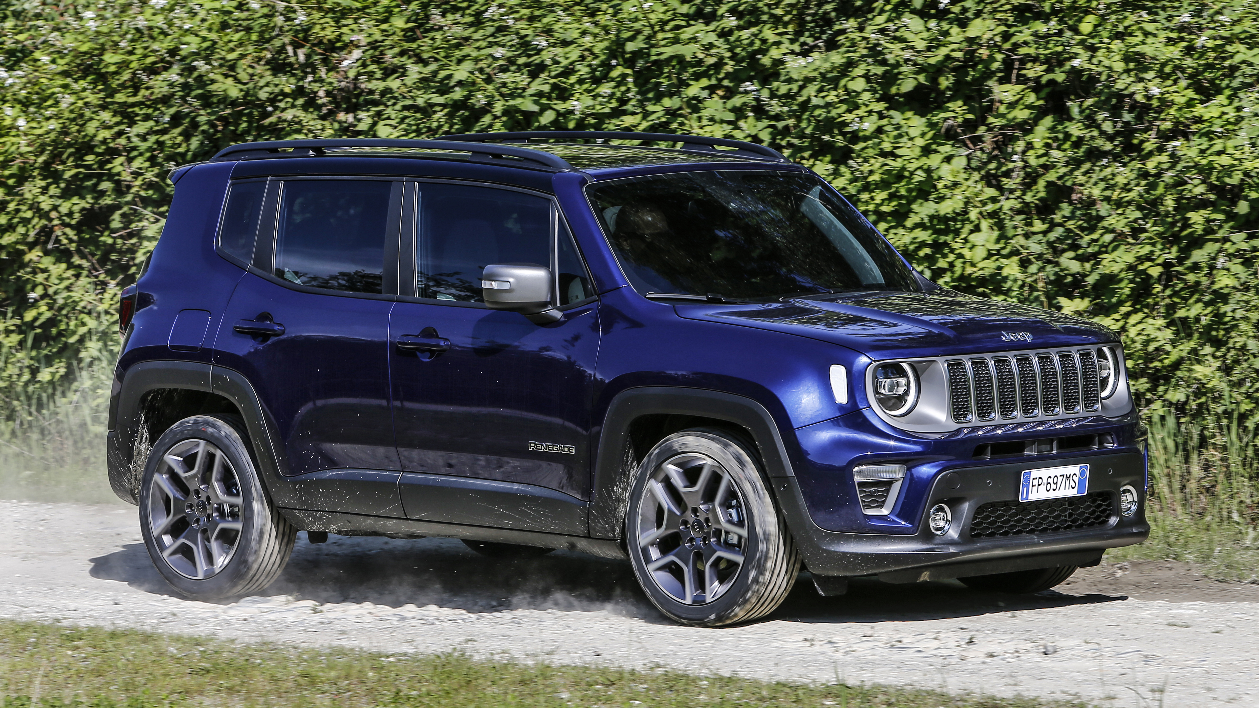 Jeep Renegade new front three quarters