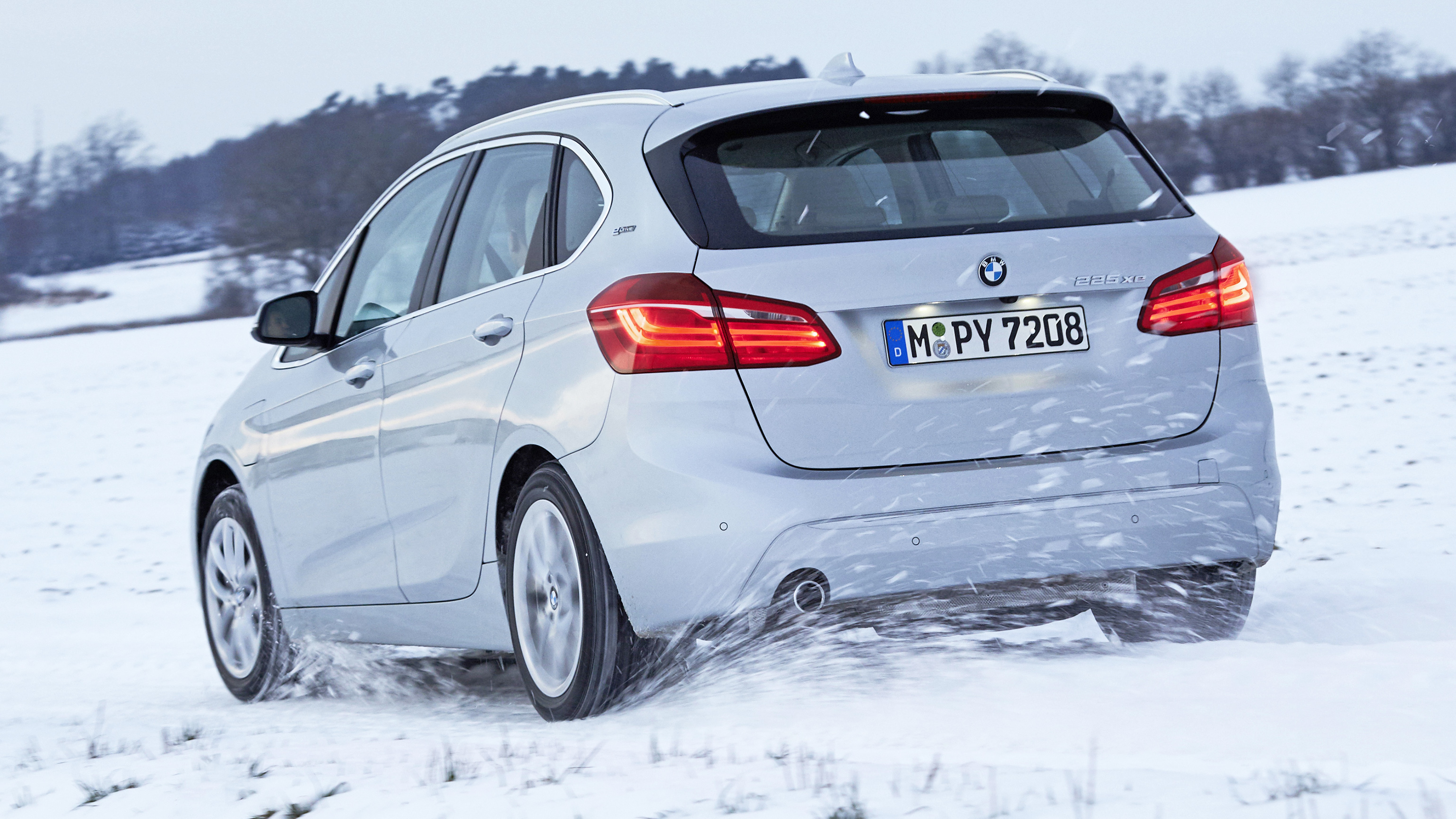 First Drive The Bmw 225xe A 4wd Hybrid People Carrier