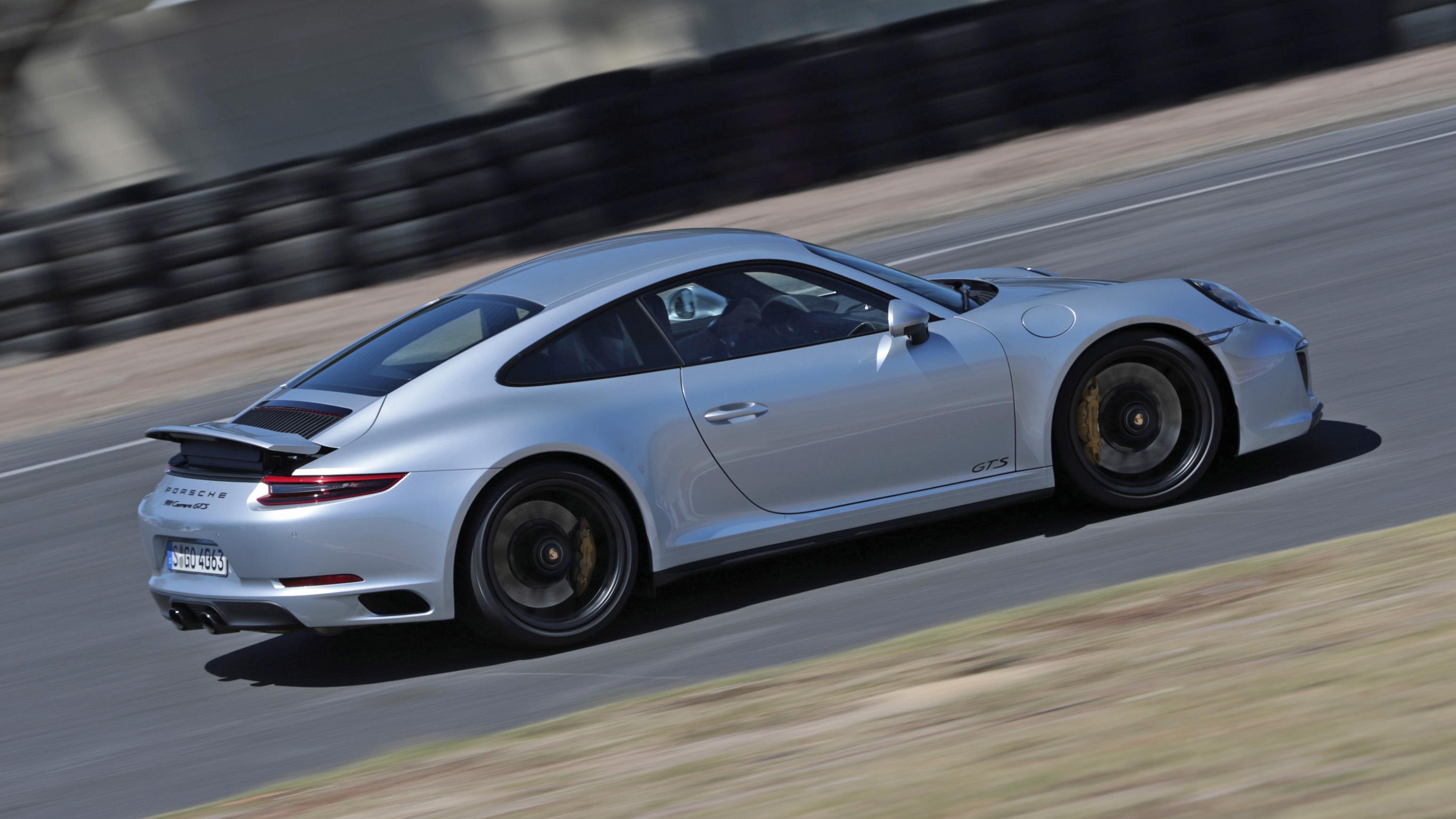 Porsche 911 GTS side