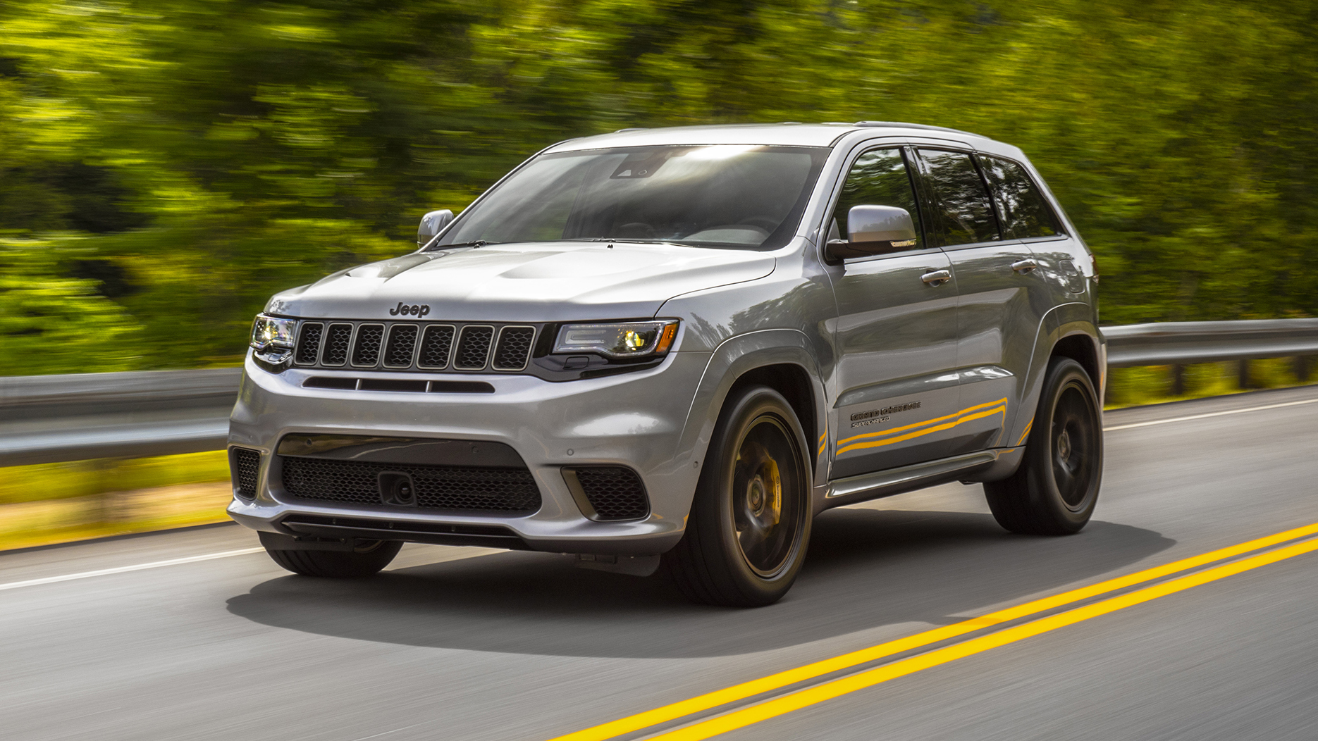 Jeep Grand Cherokee Trackhawk front quarter