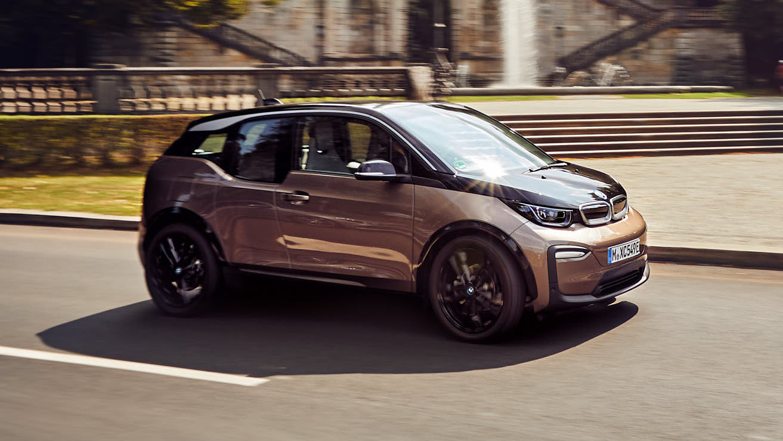 BMW i3 (120 Ah) driven: little EV, bigger battery | Top Gear