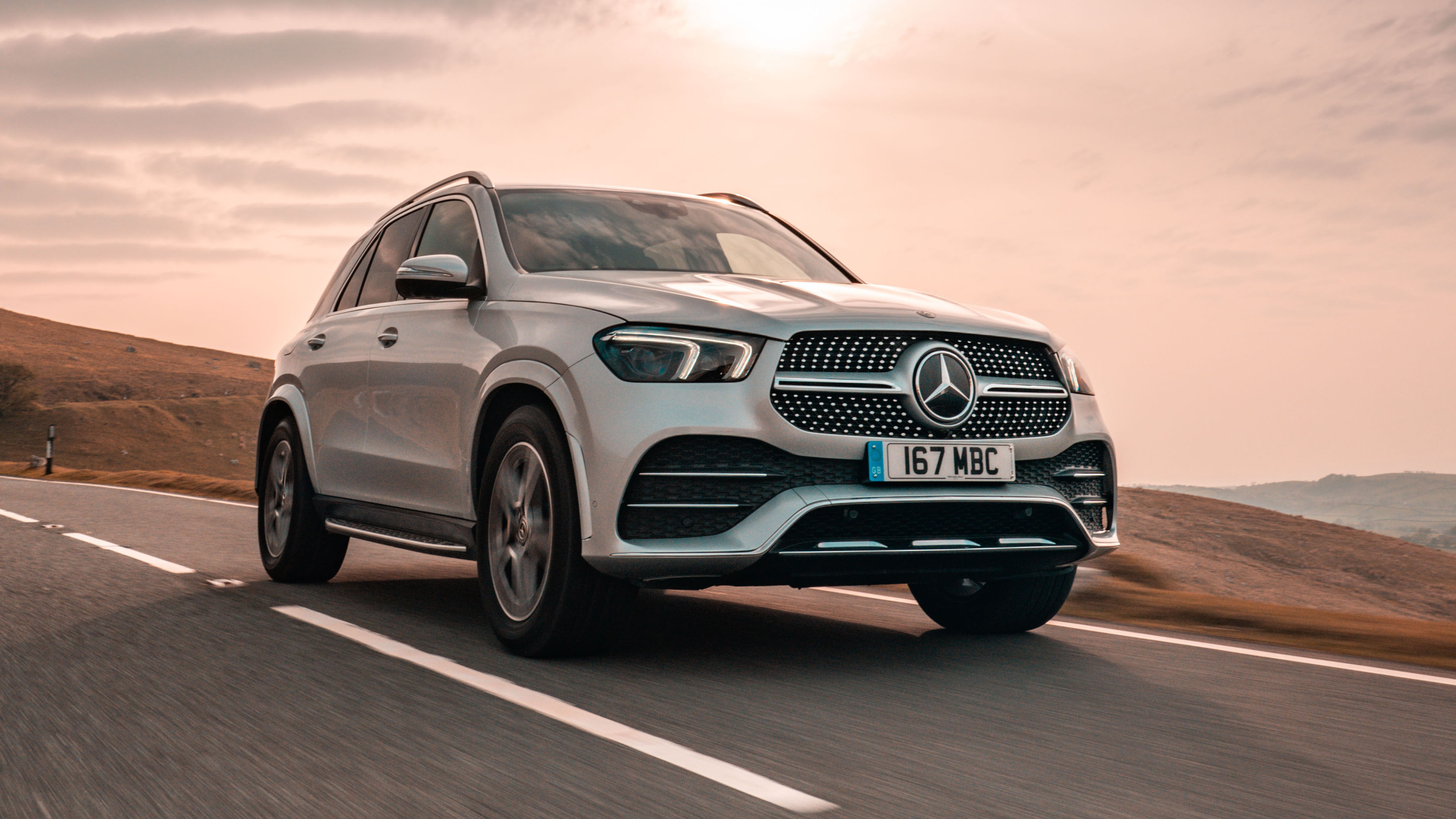 Mercedes GLE review: GLE 300d arrives in the UK | Top Gear