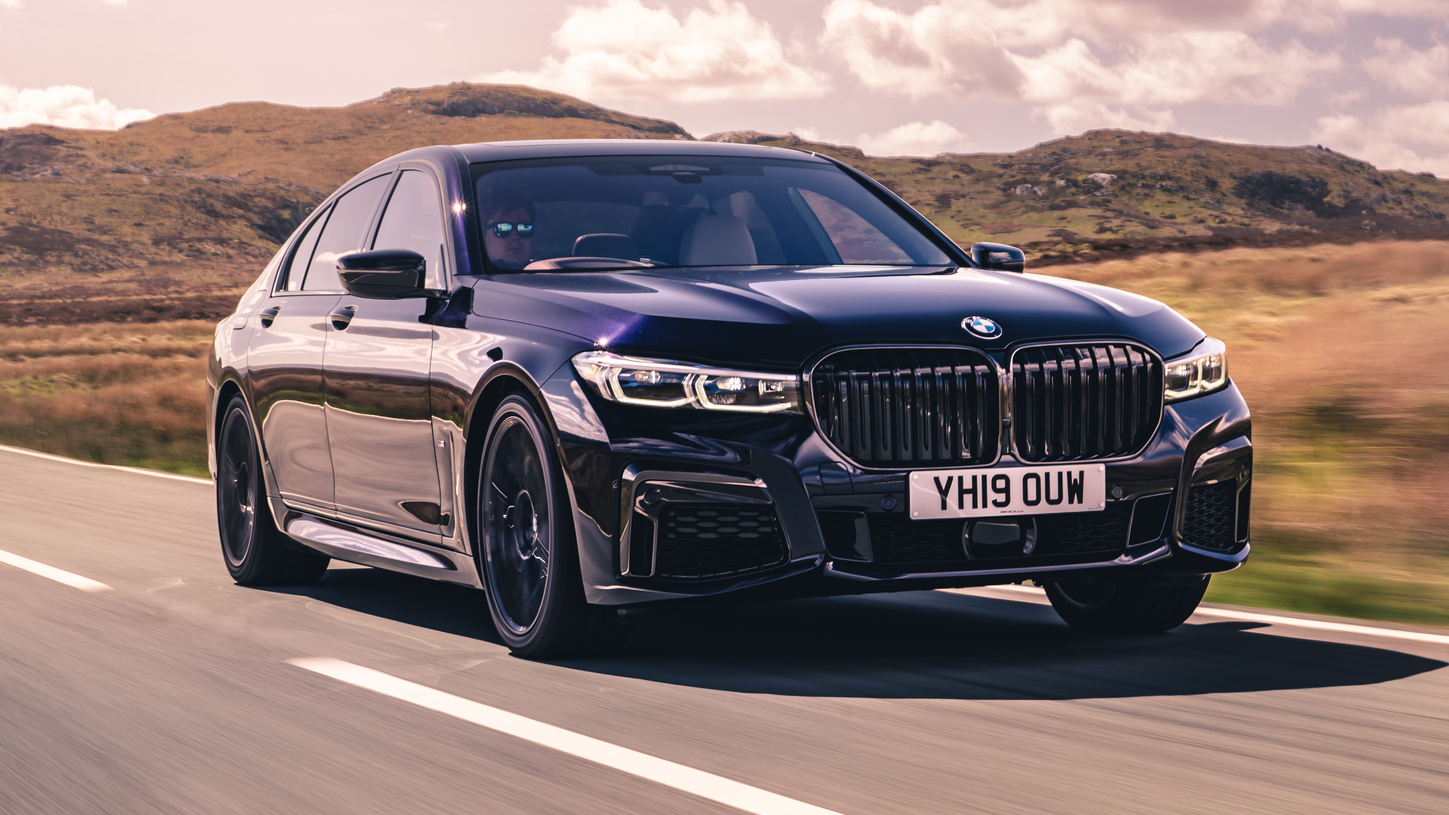 BMW 750i review: V8 turbo limo tested in the UK | Top Gear