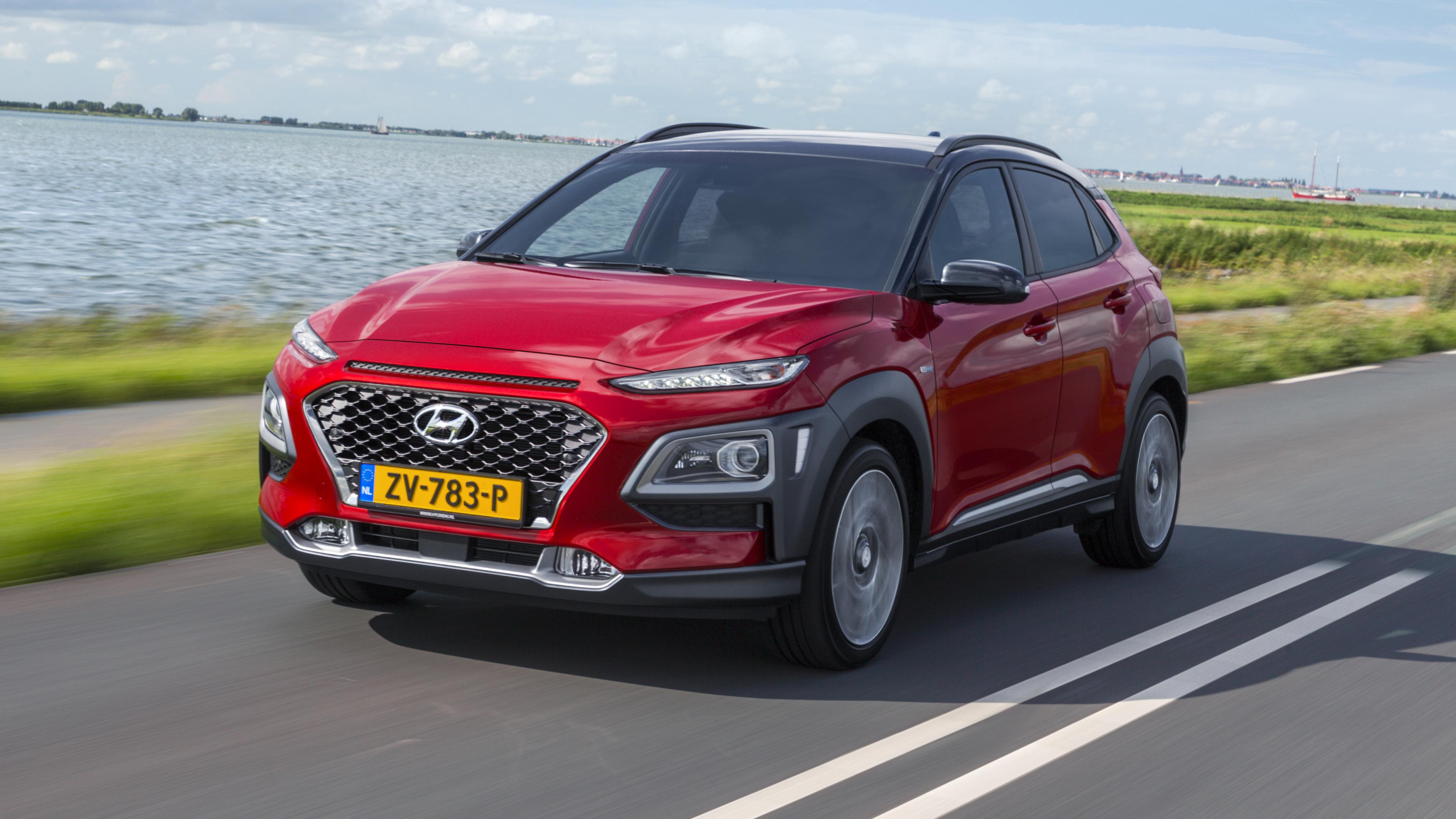 Hyundai Kona Review New Hybrid Crossover Tested Top Gear