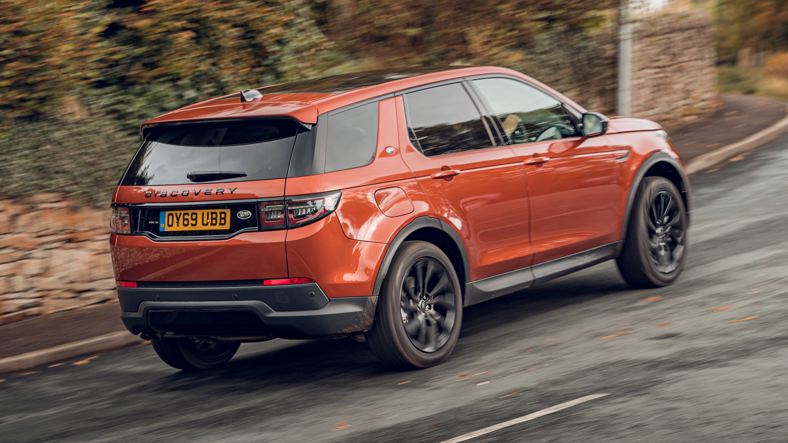 Land Rover Discovery Sport >> Land Rover Discovery Sport Review Uk Test Of New Suv Top Gear