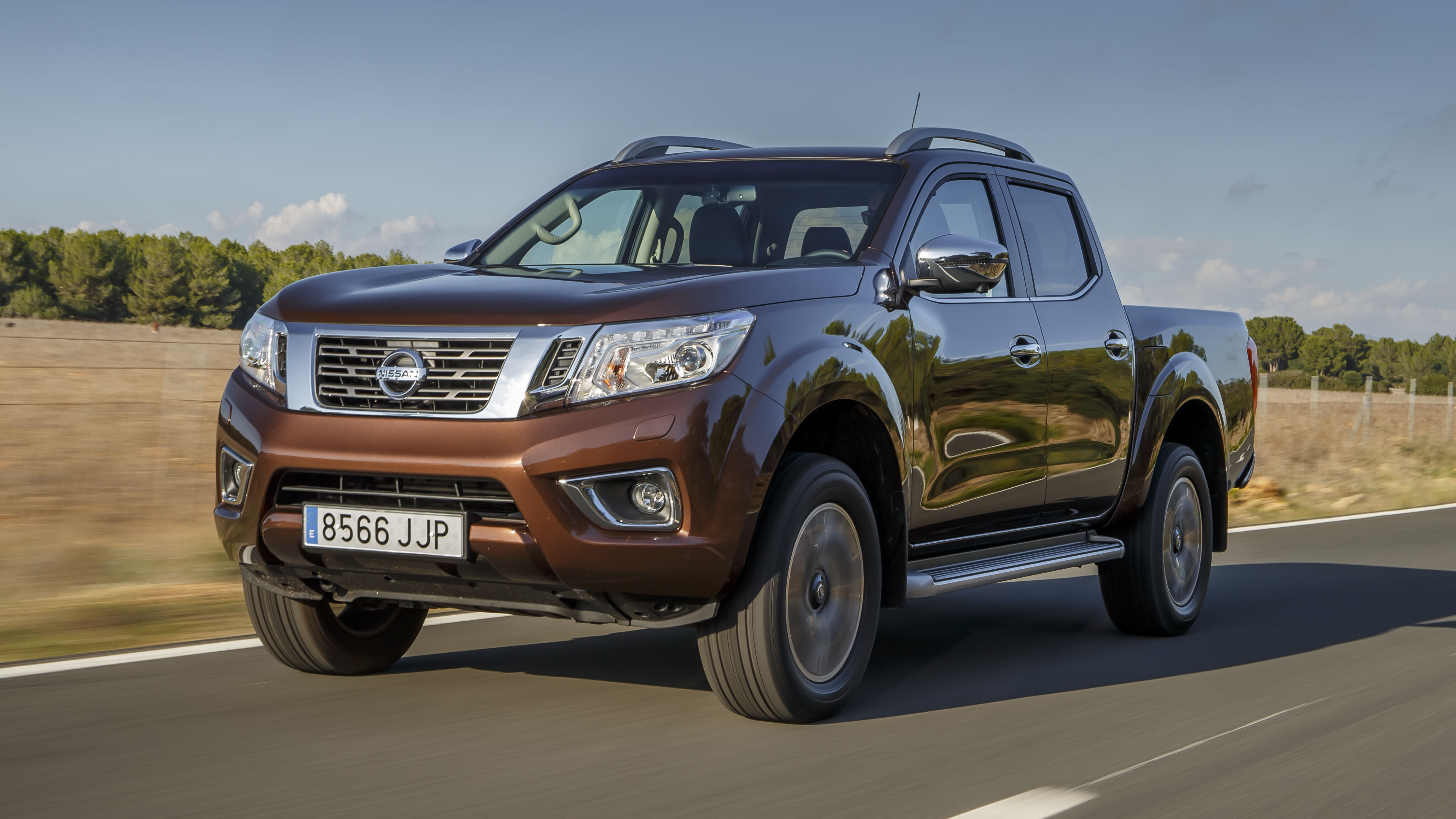 first drive the new nissan np300 navara pick up top gear. Black Bedroom Furniture Sets. Home Design Ideas