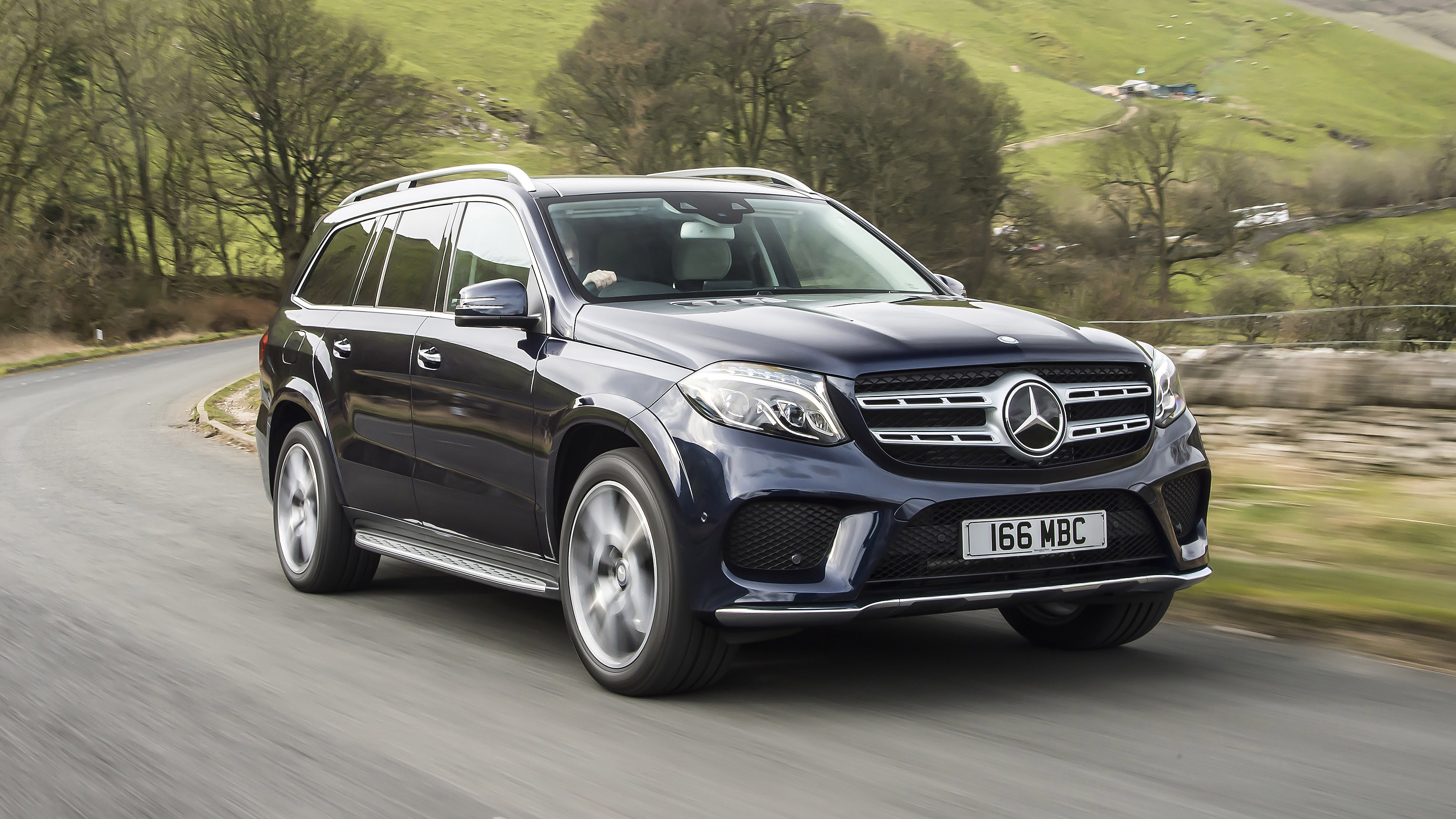 first uk drive the ginormous mercedes gls top gear. Black Bedroom Furniture Sets. Home Design Ideas