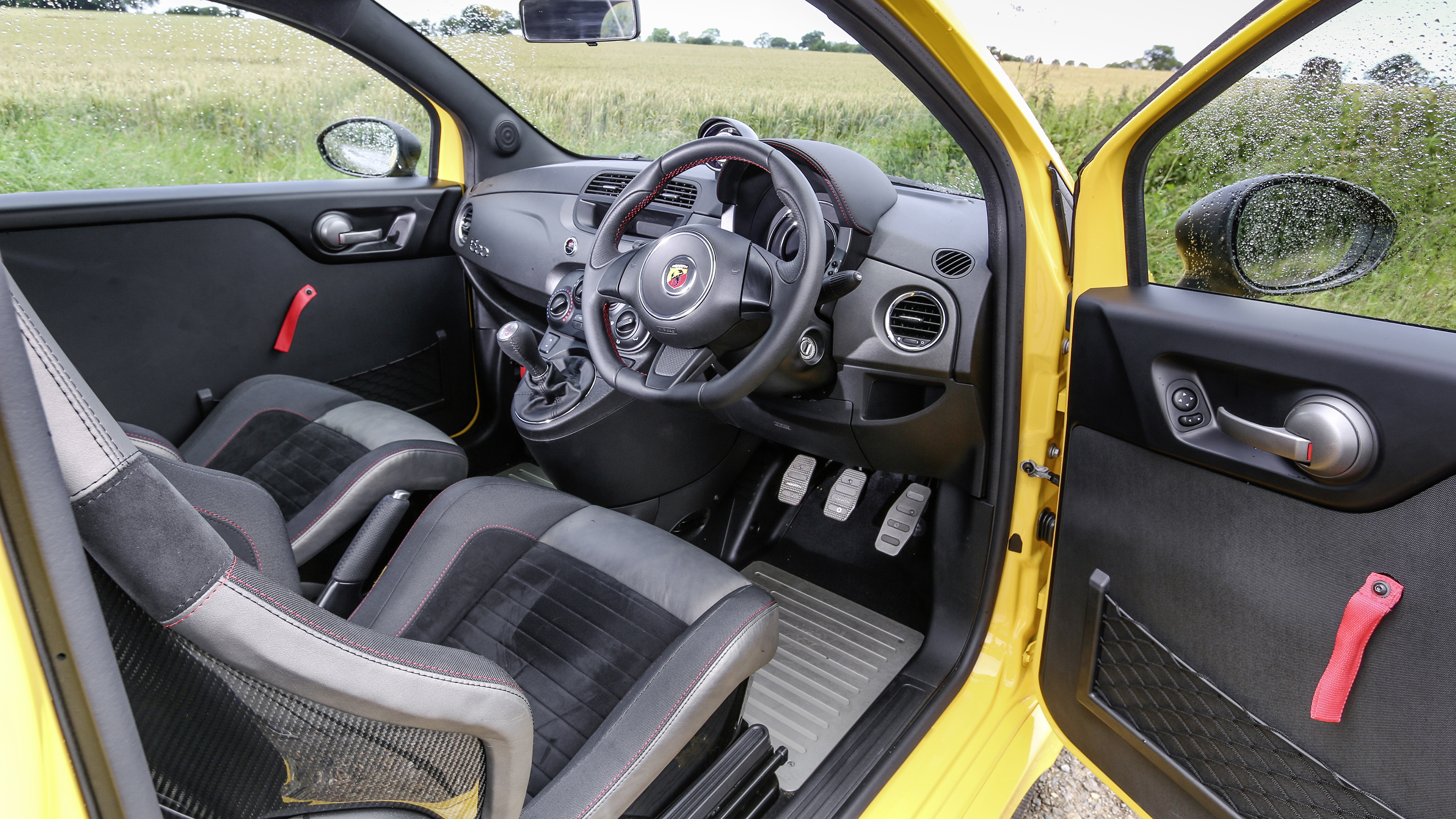 Chevrolet Dealer Uk >> Review: the bonkers Abarth 695 Biposto Record   Top Gear
