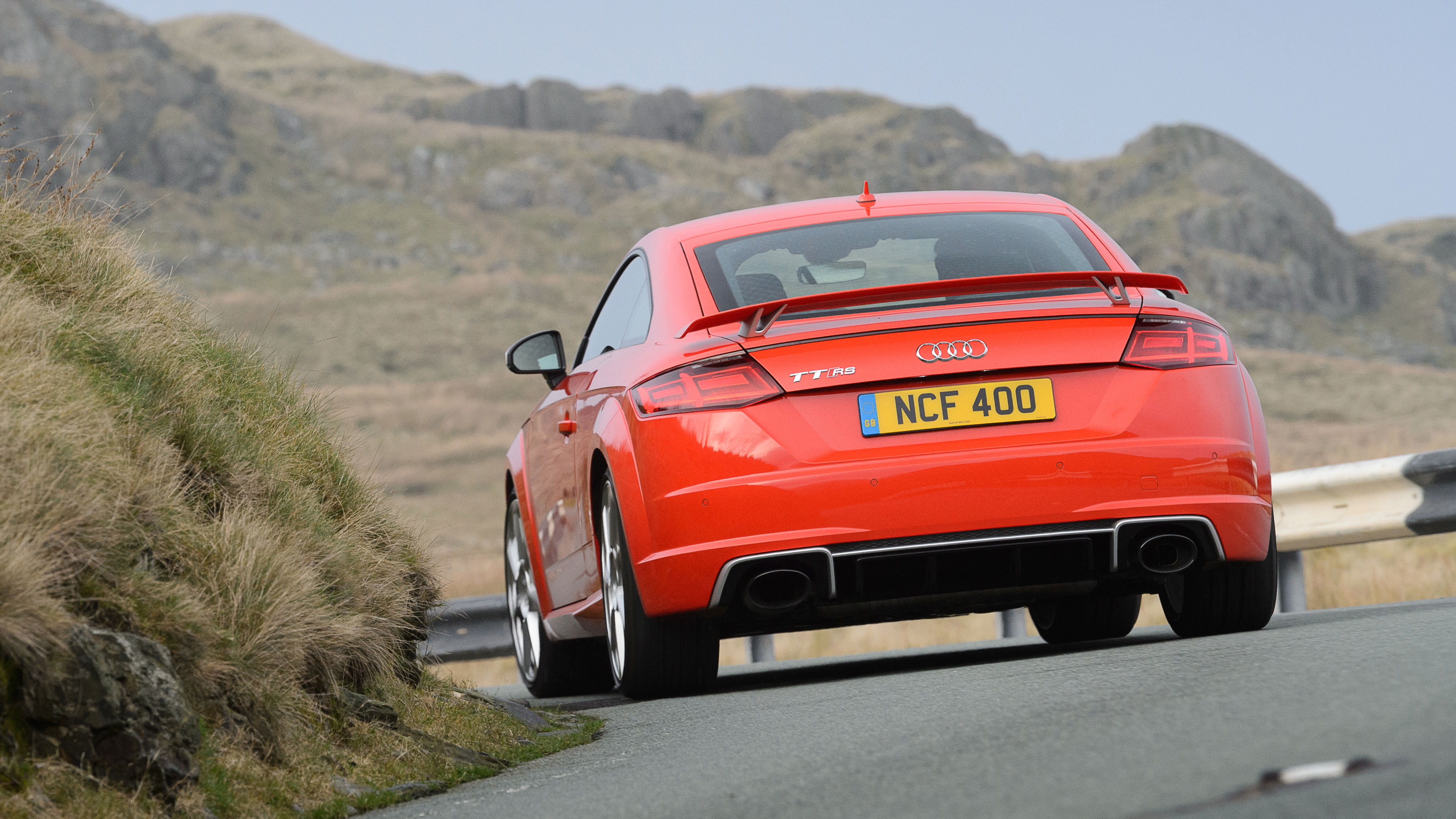 audi tt rs review 400bhp quattro coupe driven in the uk. Black Bedroom Furniture Sets. Home Design Ideas