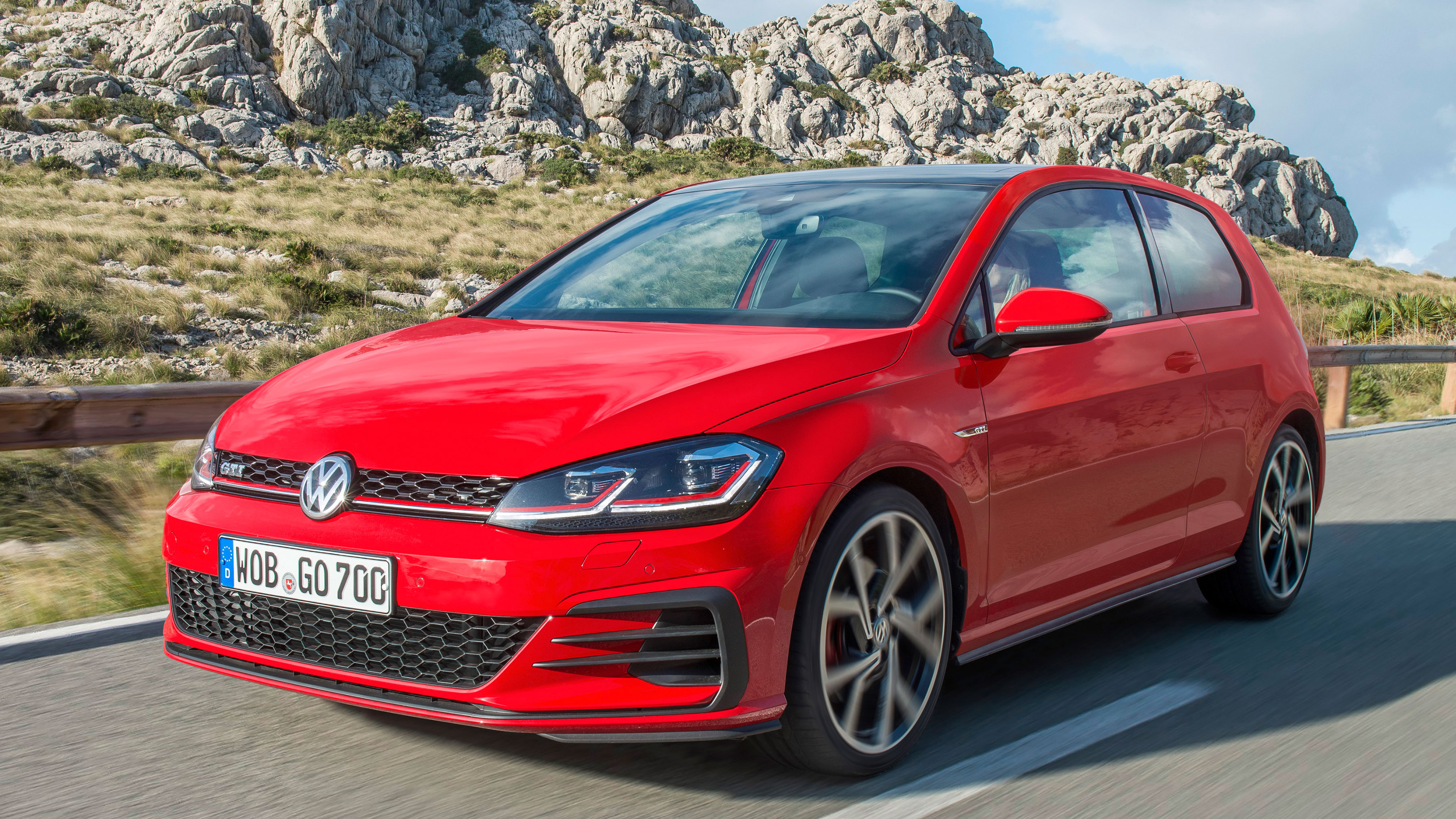vw golf gti review facelifted hot hatch icon driven top gear. Black Bedroom Furniture Sets. Home Design Ideas