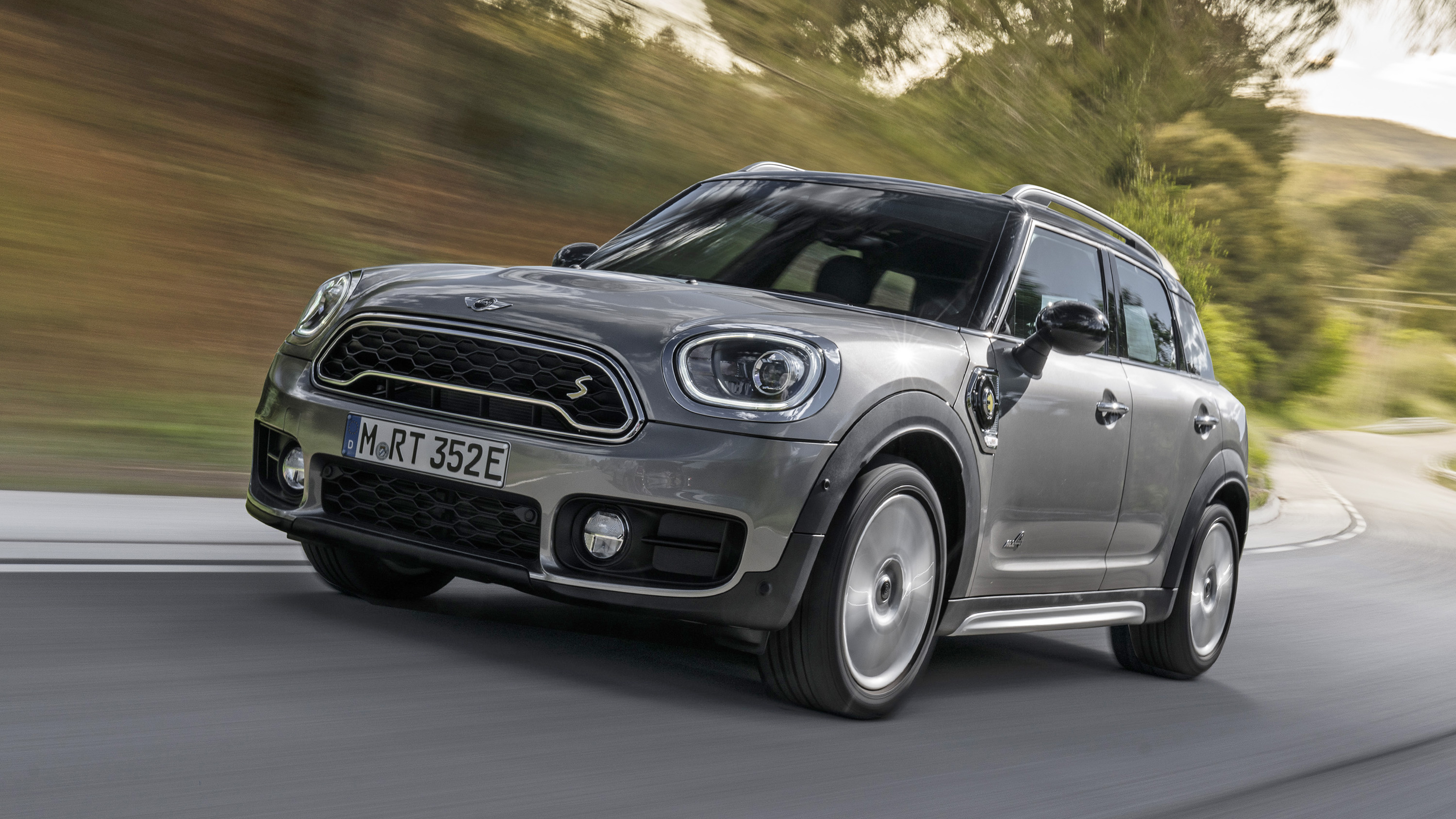 mini countryman review cooper s hybrid driven top gear. Black Bedroom Furniture Sets. Home Design Ideas