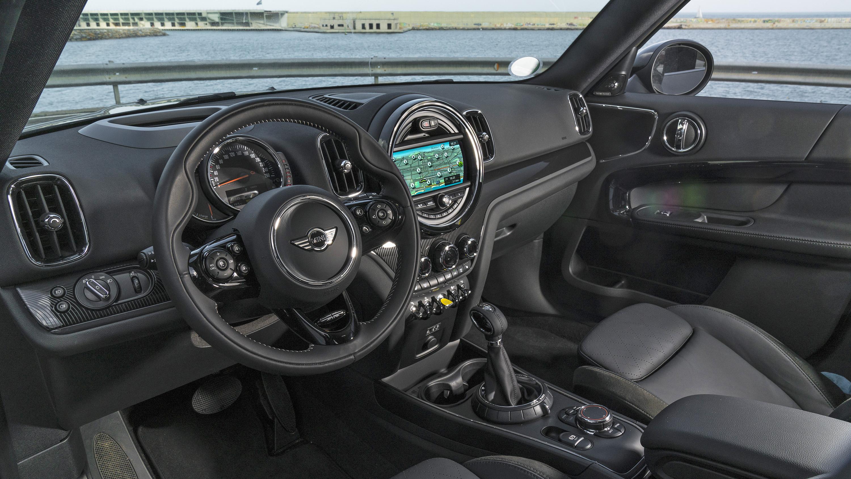 2017 Mini Countryman Cooper S hybrid interior