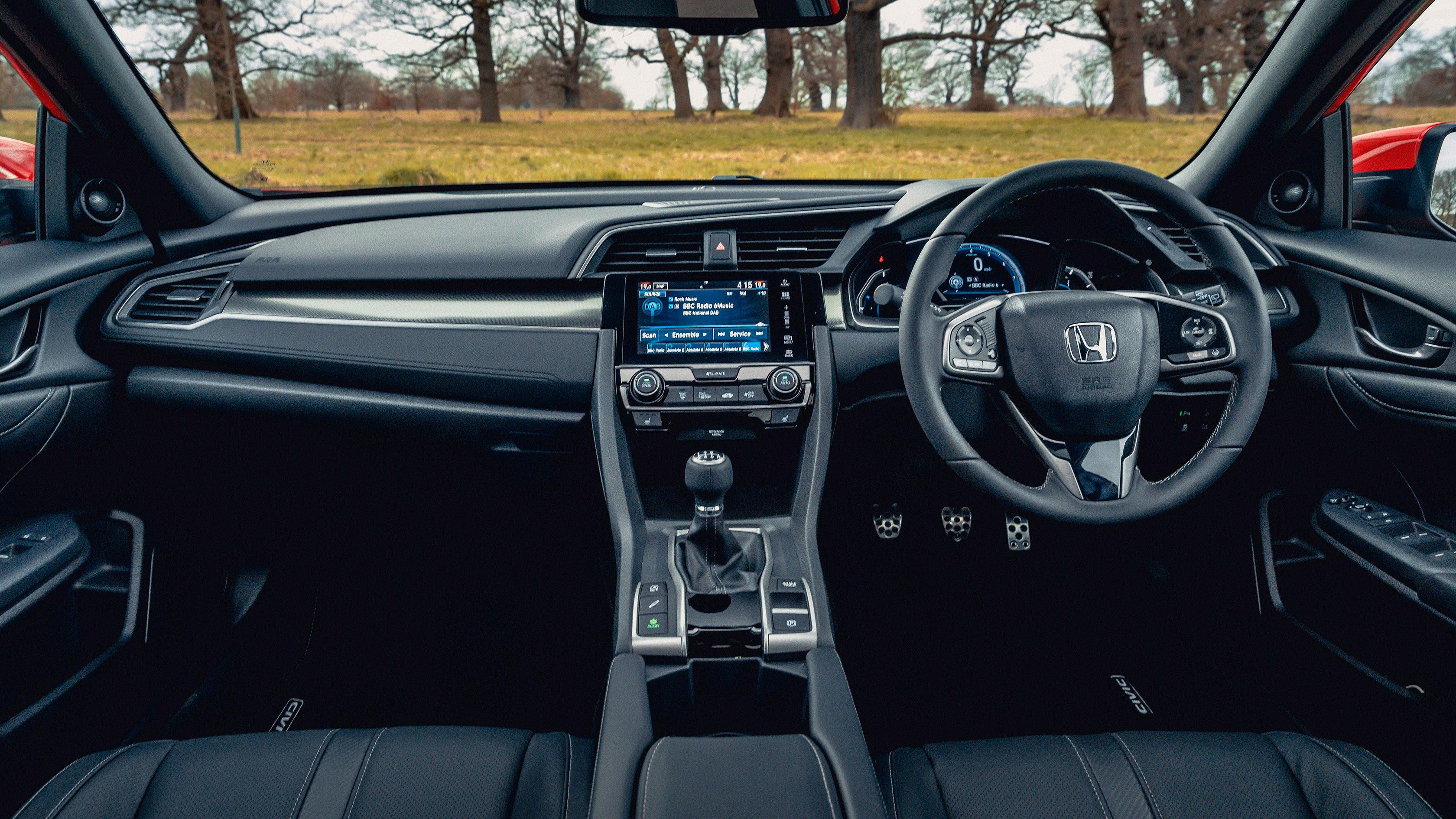 Honda Civic 1.0 vtec turbo interior