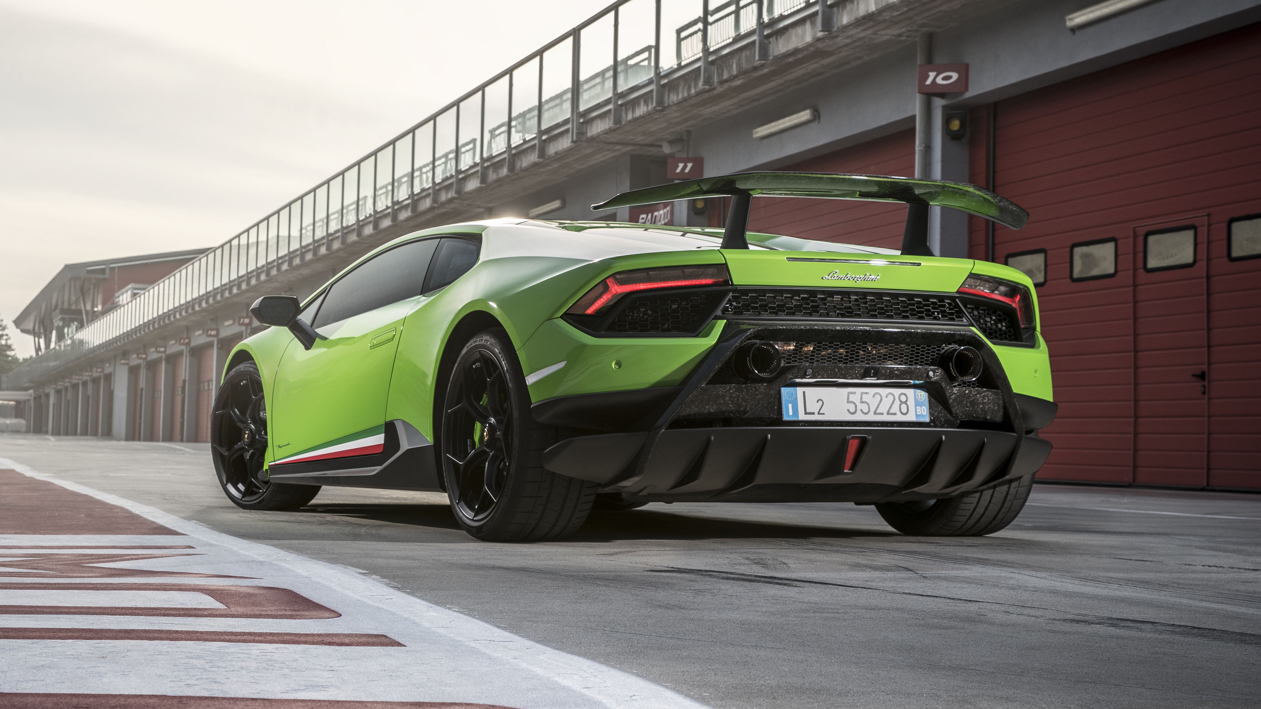 Lamborghini Huracan Performante rear