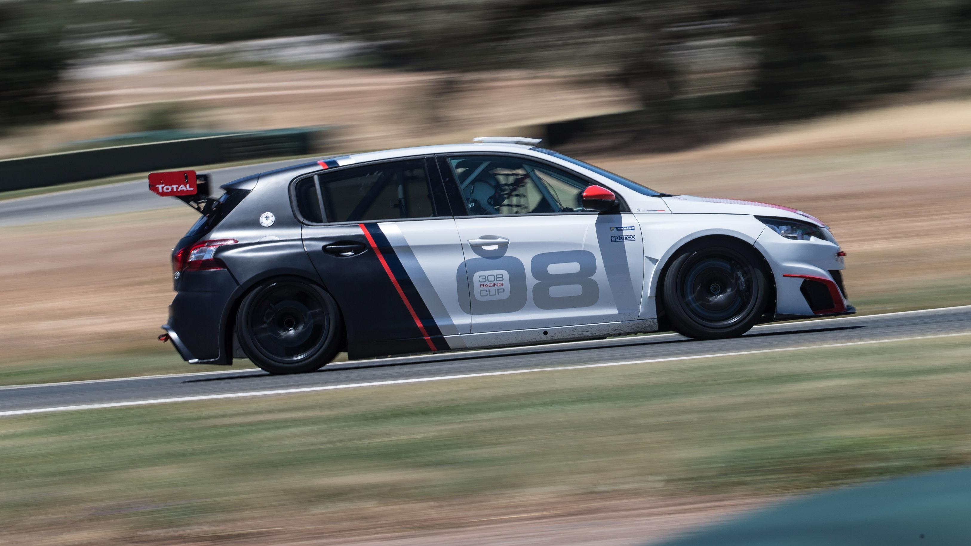 Peugeot 308 GTI Racing Cup side