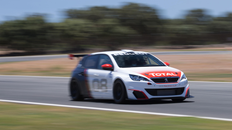 Peugeot 308 GTI Racing Cup front quarter