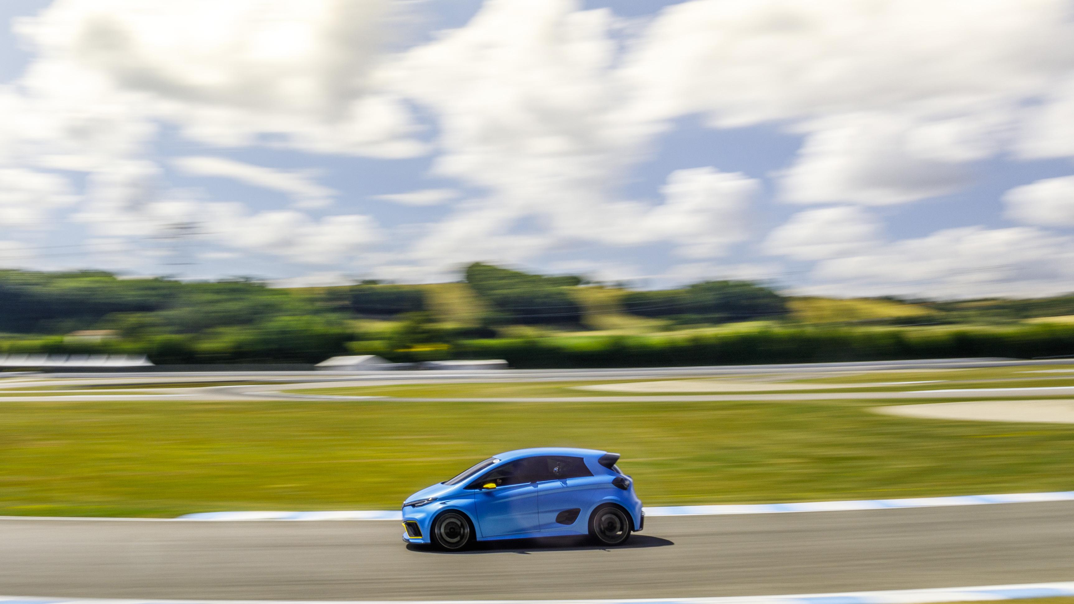 Renault Zoe e-Sport side