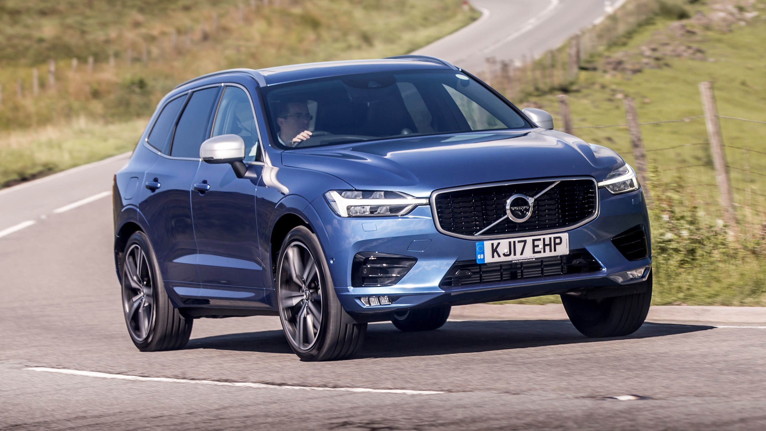volvo xc60 t8 review 407bhp hybrid driven 2017 2018 top gear. Black Bedroom Furniture Sets. Home Design Ideas