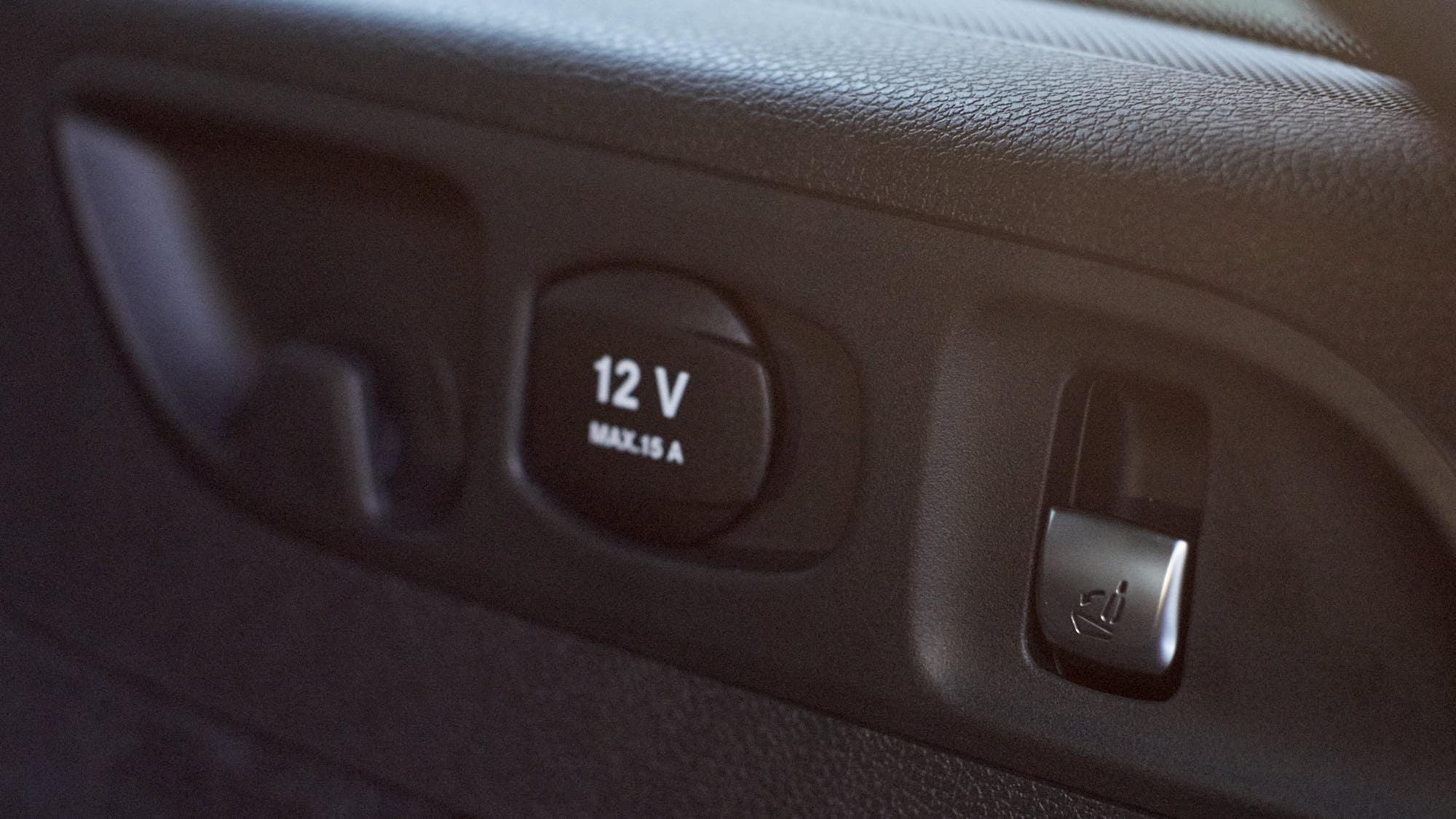 Mercedes-AMG E63 S+ estate 12v socket