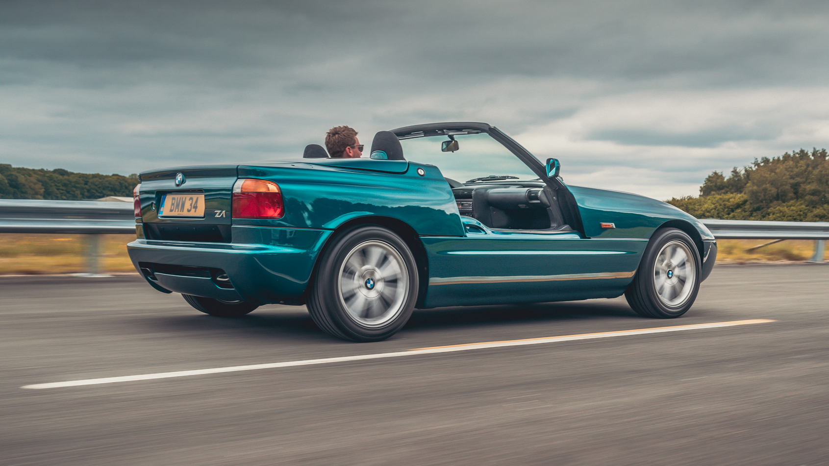 Retro Review The Oddly Doored Bmw Z1 1989 1991 Top Gear