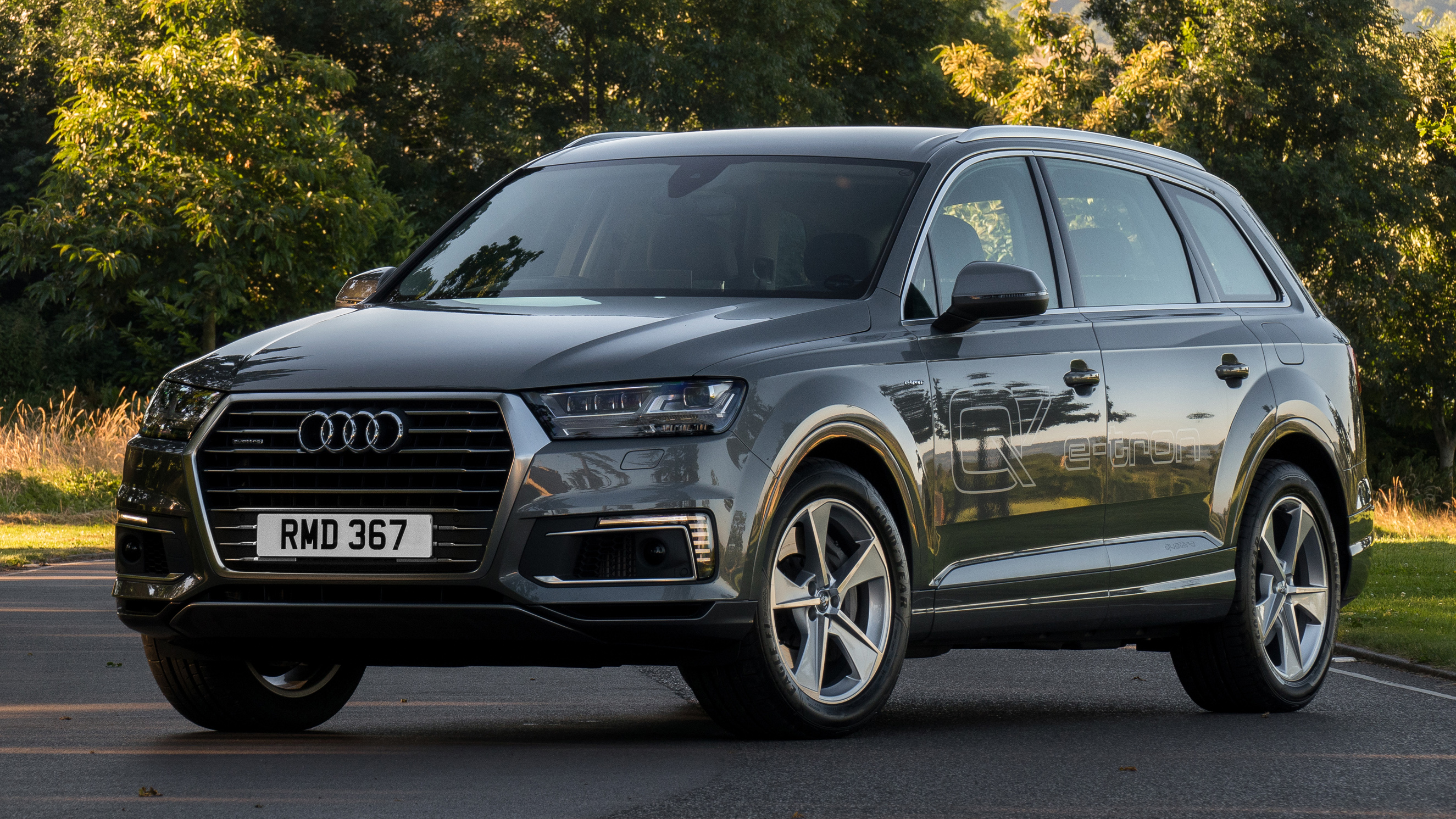 audi q7 e tron quattro review hybrid suv tested top gear. Black Bedroom Furniture Sets. Home Design Ideas