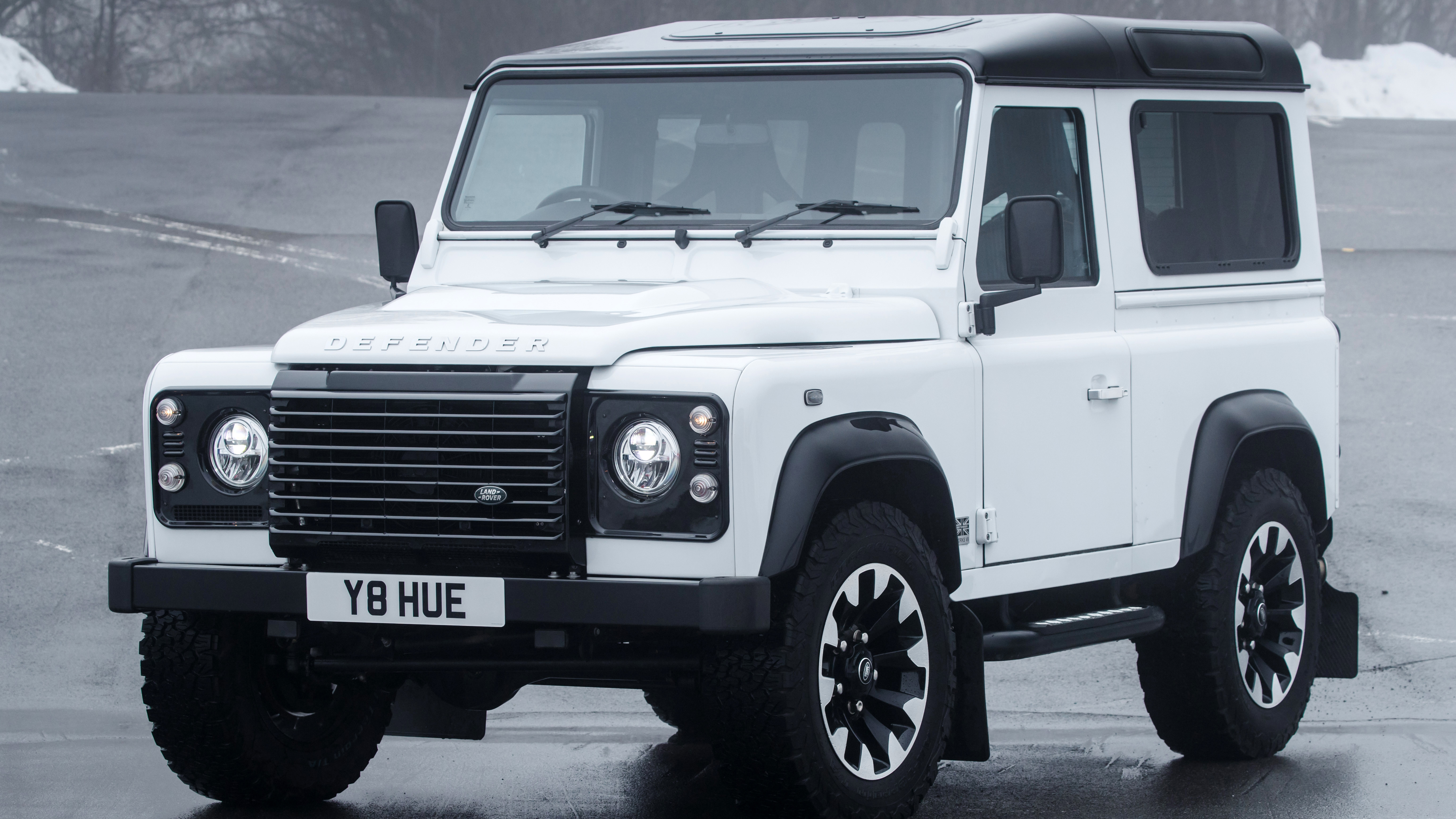 land rover defender works v8 review 400bhp landie tested top gear. Black Bedroom Furniture Sets. Home Design Ideas