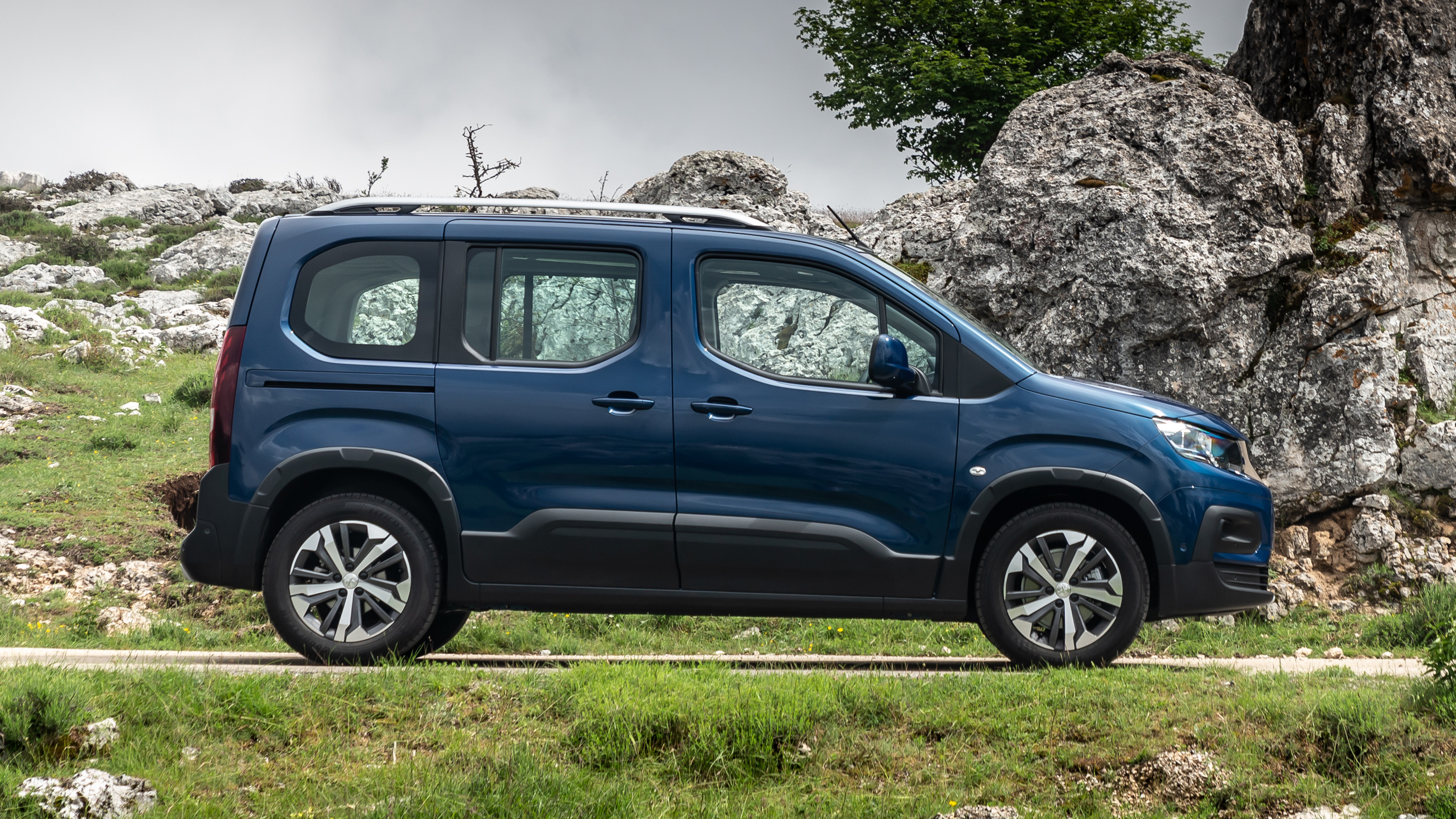 Peugeot Rifter Review New Mpv Tested Top Gear