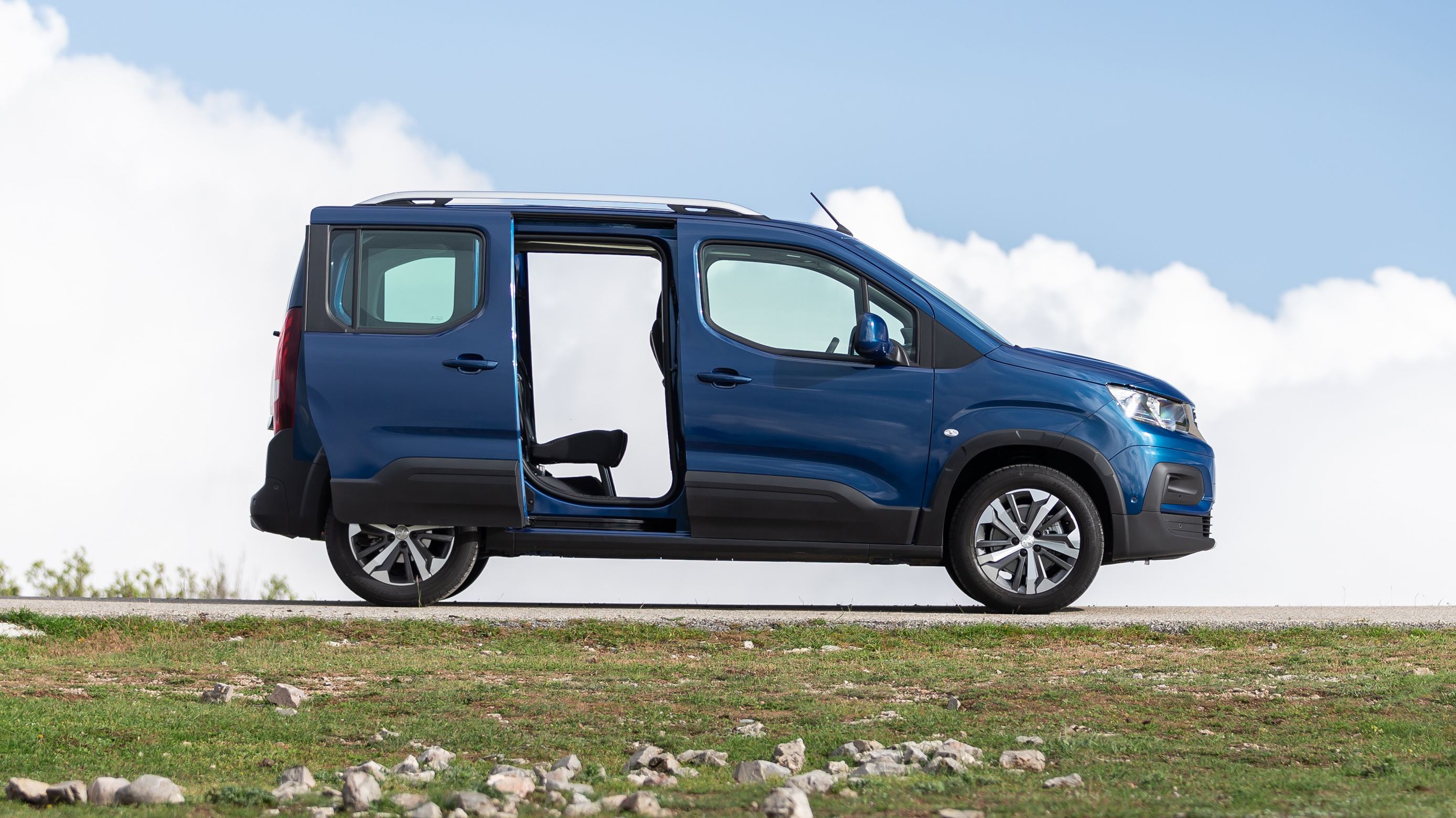 Raleigh Used Cars >> Peugeot Rifter review: new MPV tested | Top Gear
